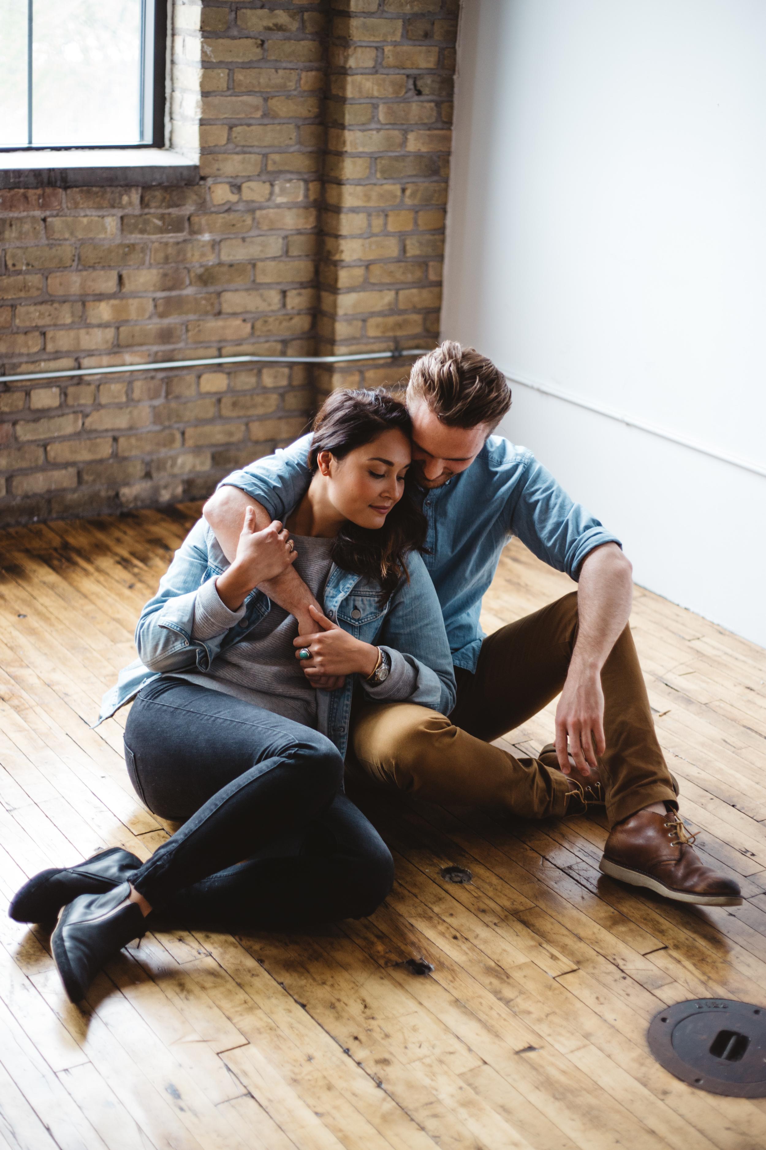 Northeast Minneapolis modern engagement session. Photography by Britt DeZeeuw Brainerd MN natural light photographer