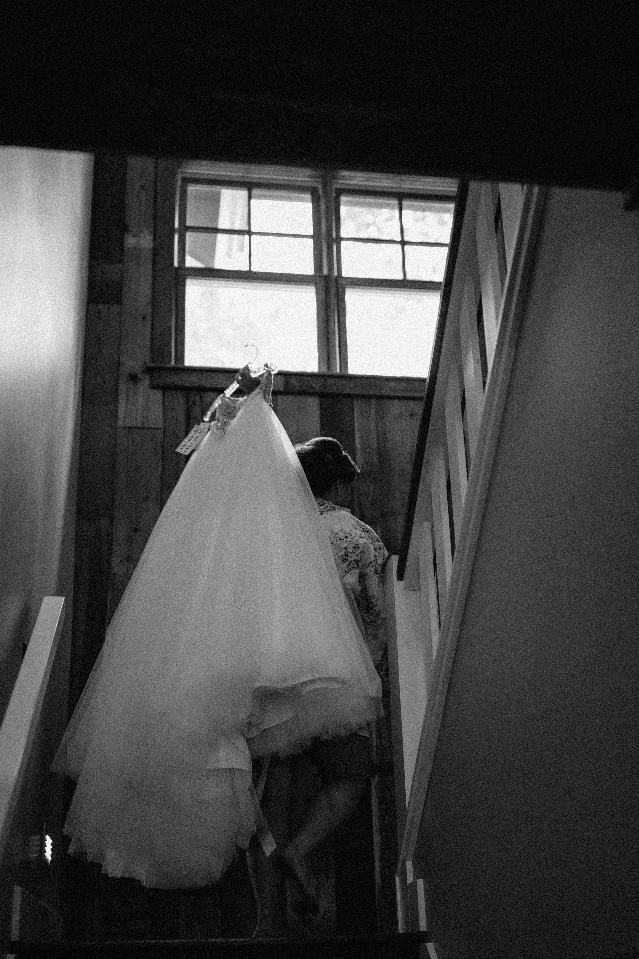 Journalistic wedding photography at Grand View Lodge. Image by Britt DeZeeuw, Brainerd MN photographer