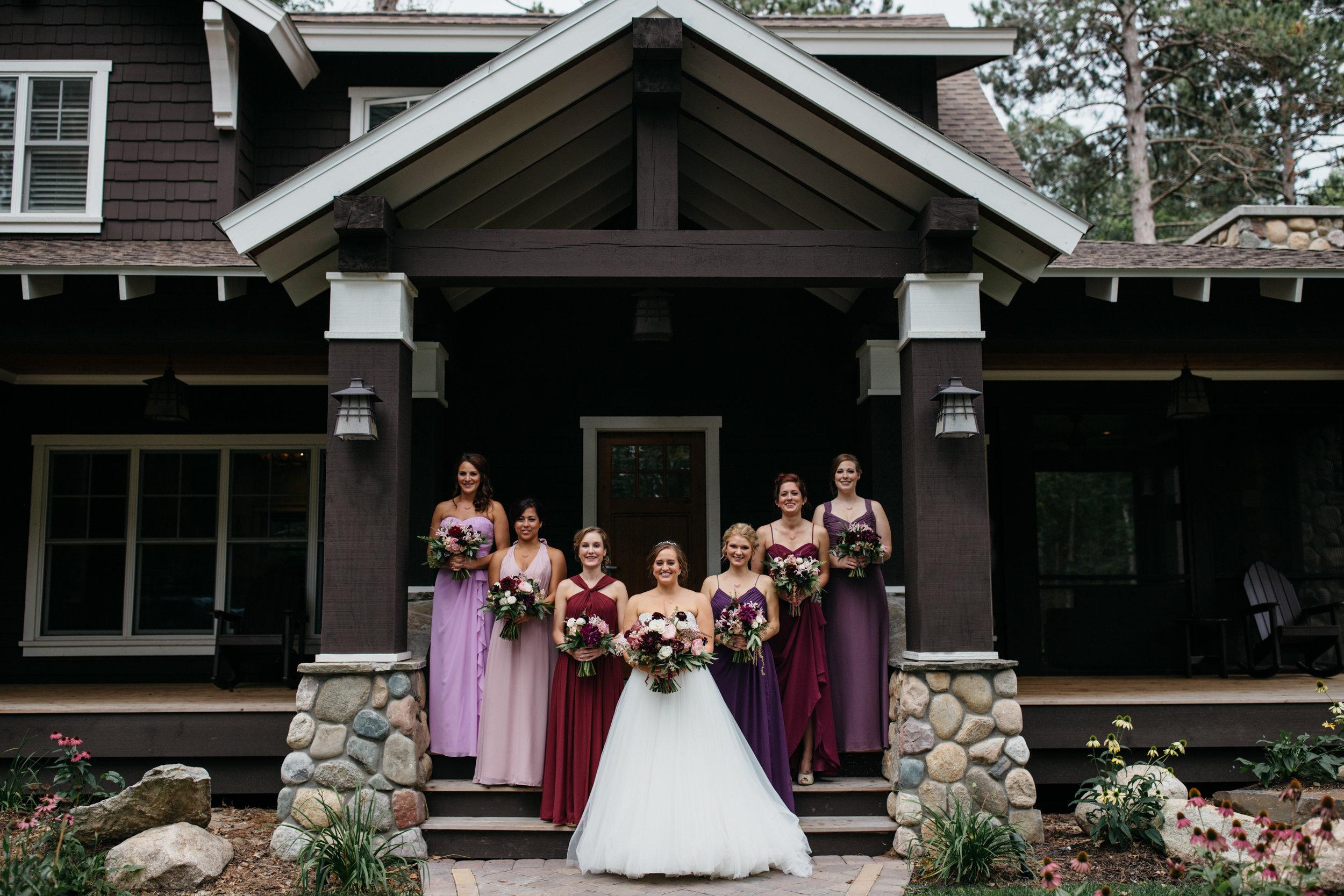 Northern Minnesota cabin wedding. Photography by Britt DeZeeuw at Grand View Lodge
