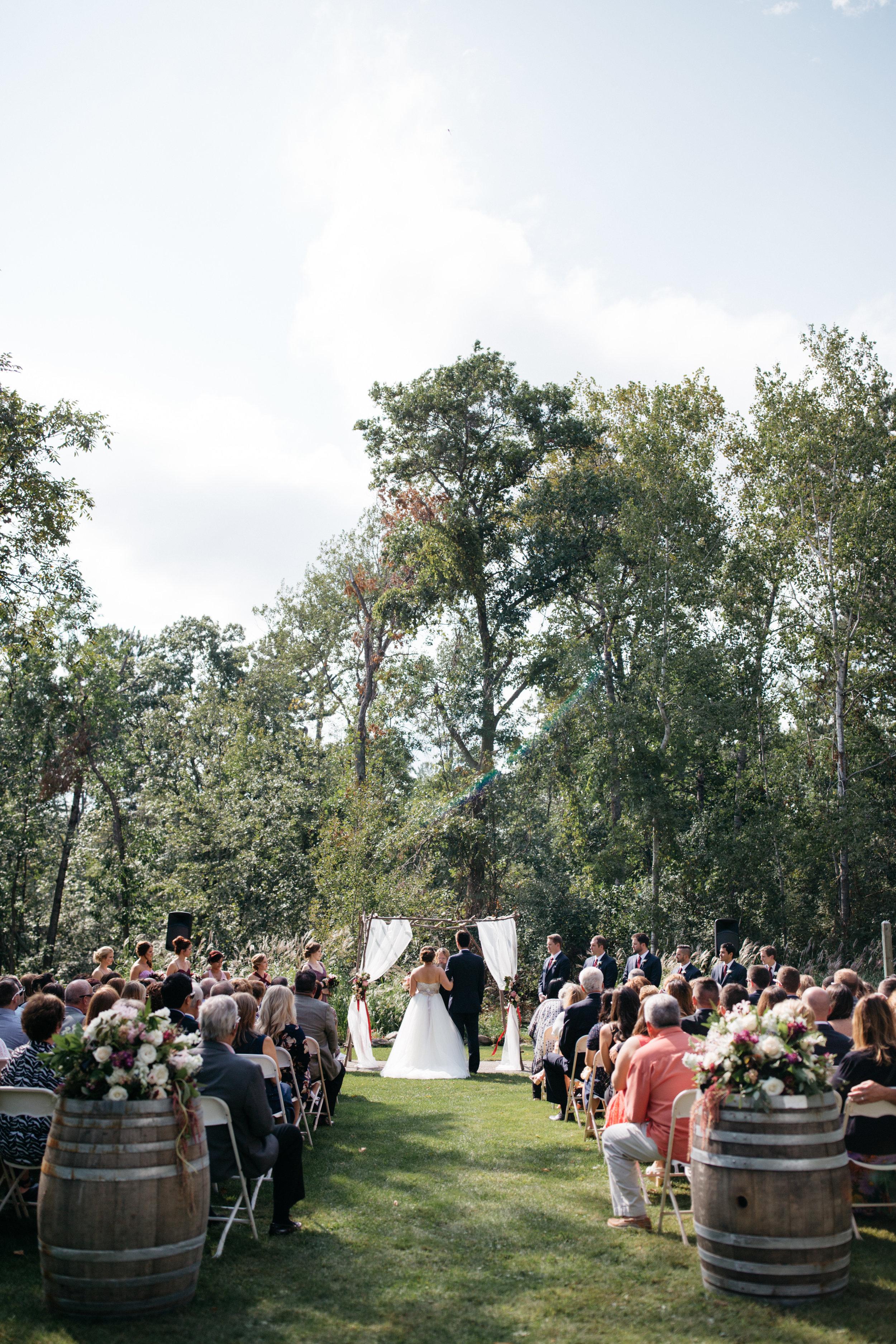 Italian gardens wedding at Grand View Lodge, photography by Britt DeZeeuw