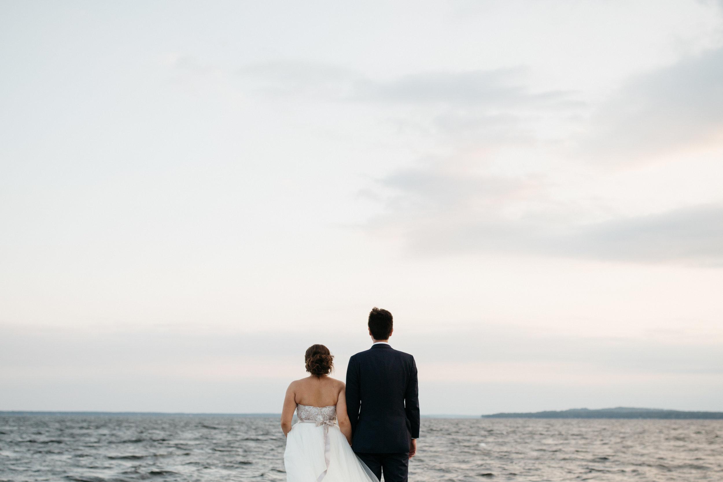 Minimalism wedding photography by Britt DeZeeuw at Grand View Lodge