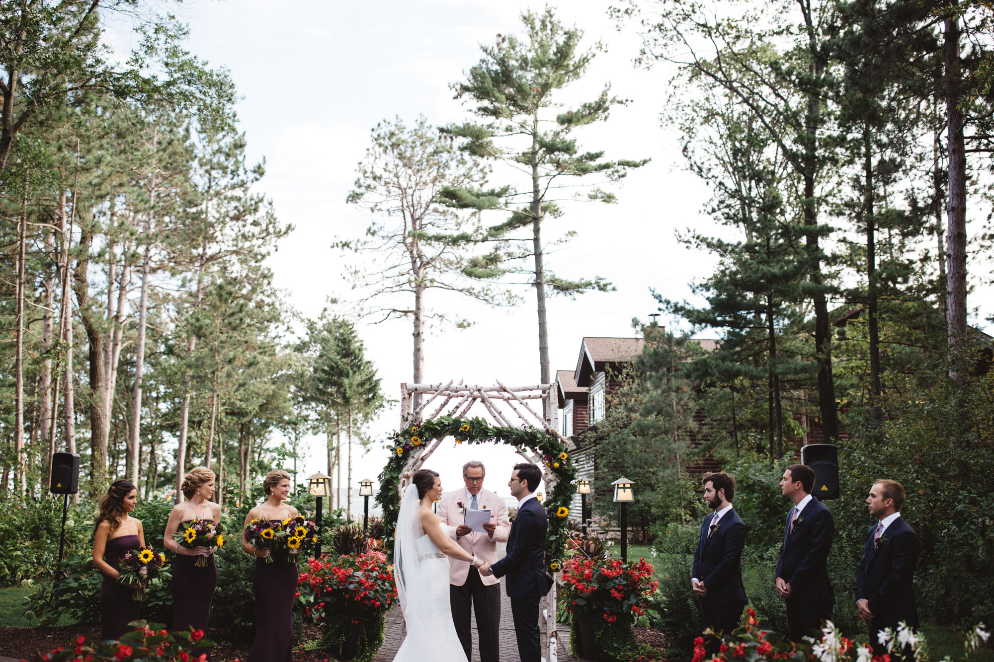 Beautiful outdoor wedding ceremony at Grand View Lodge by Britt DeZeeuw photography