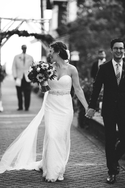 Journalistic wedding photography by Britt DeZeeuw, Grand View lodge photographer