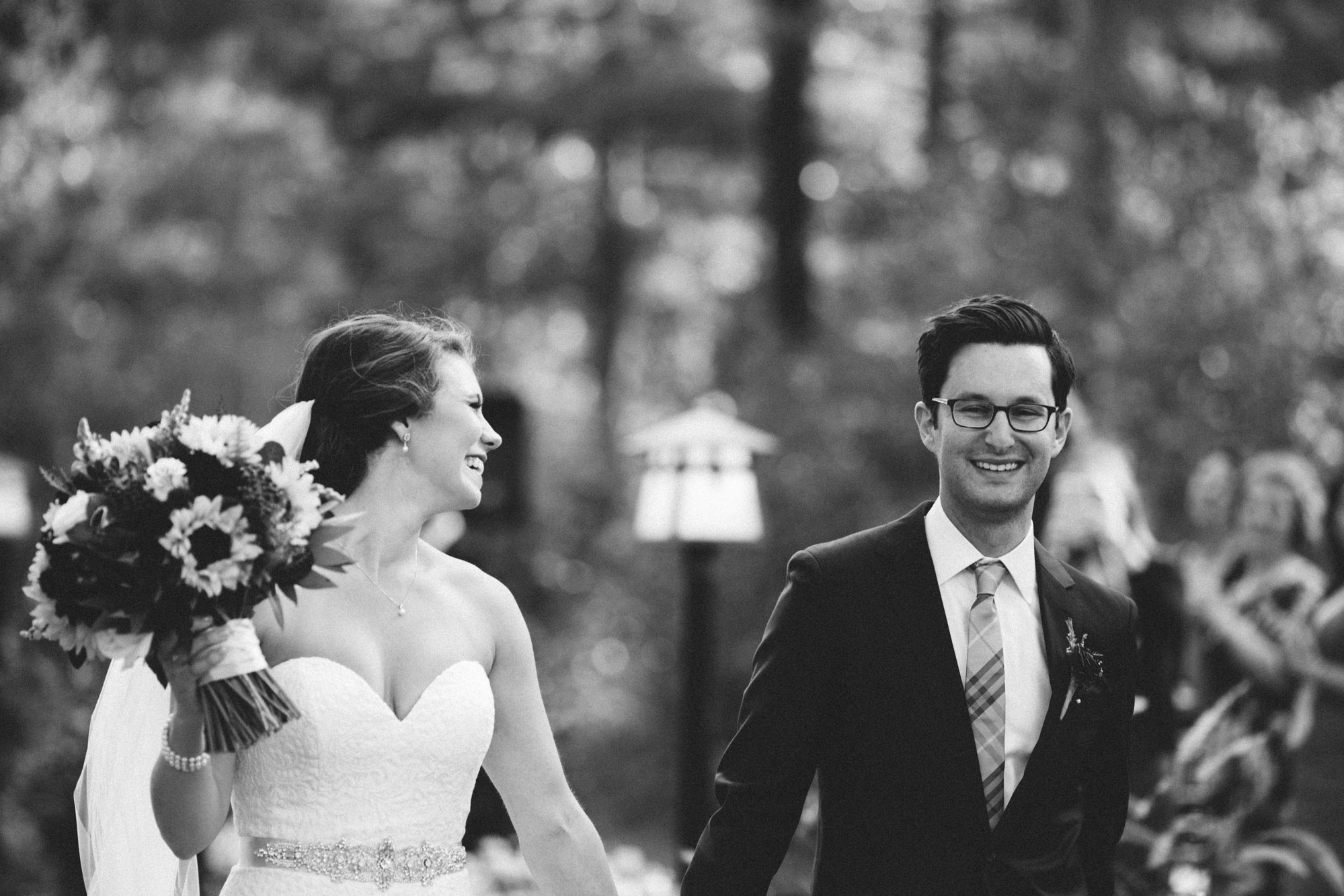 Unposed wedding photography by Britt DeZeeuw, Grand View Lodge photographer