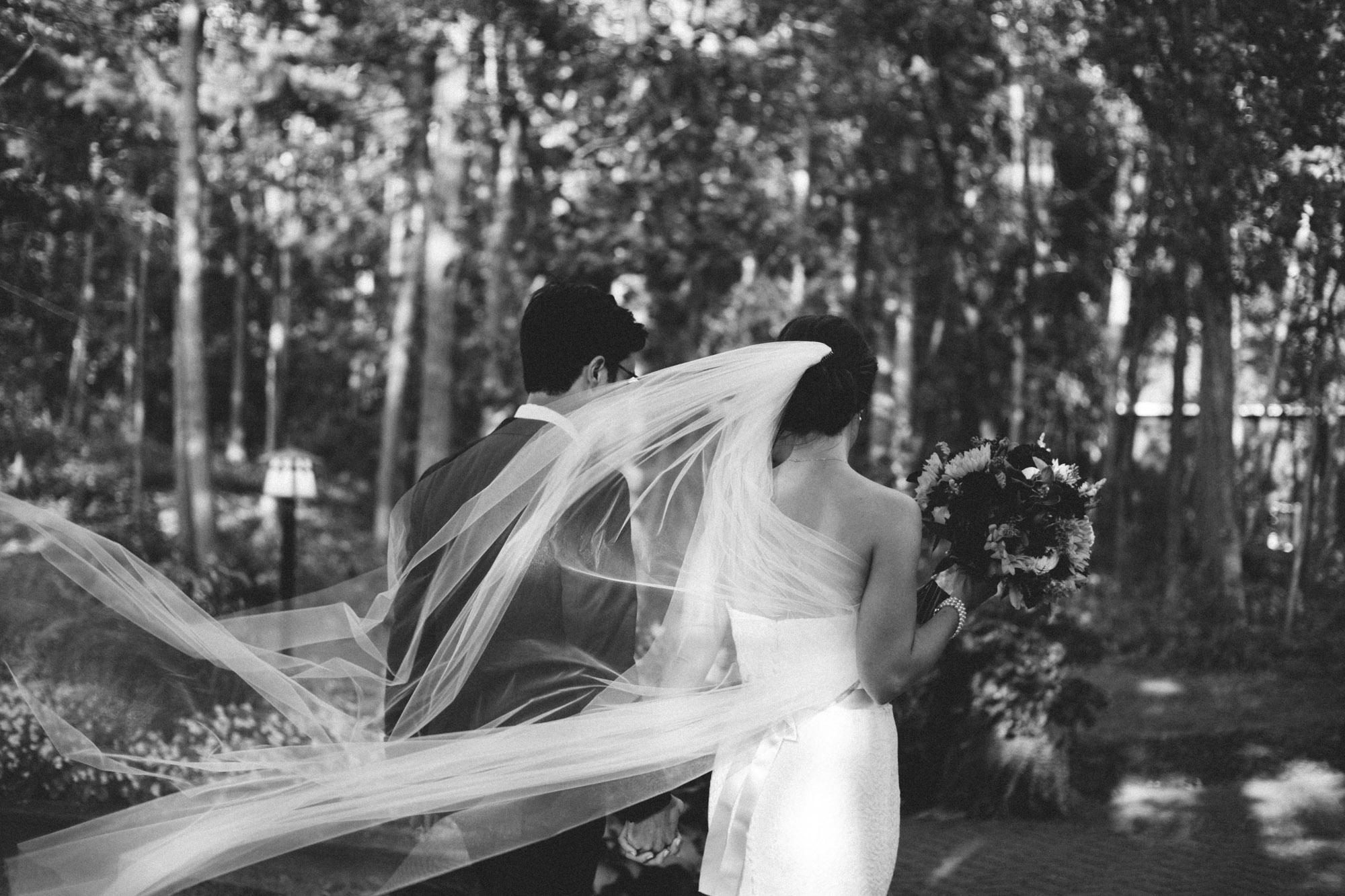 Destination wedding at Grand View Lodge, photography by Britt DeZeeuw