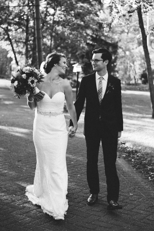 Unposed wedding photography at Grand View Lodge by Britt DeZeeuw, destination photographer