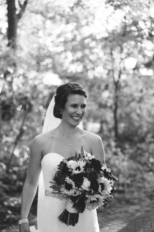 Natural bridal portrait by Britt DeZeeuw photography, Grand View Lodge wedding photographer