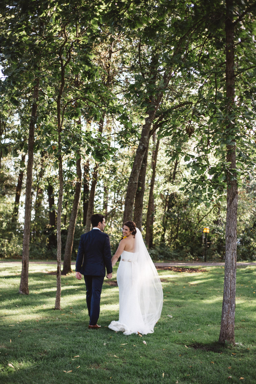 Natural outdoor wedding portraits at Grand View Lodge, photography by Britt DeZeeuw Brainerd Minnesota photographer
