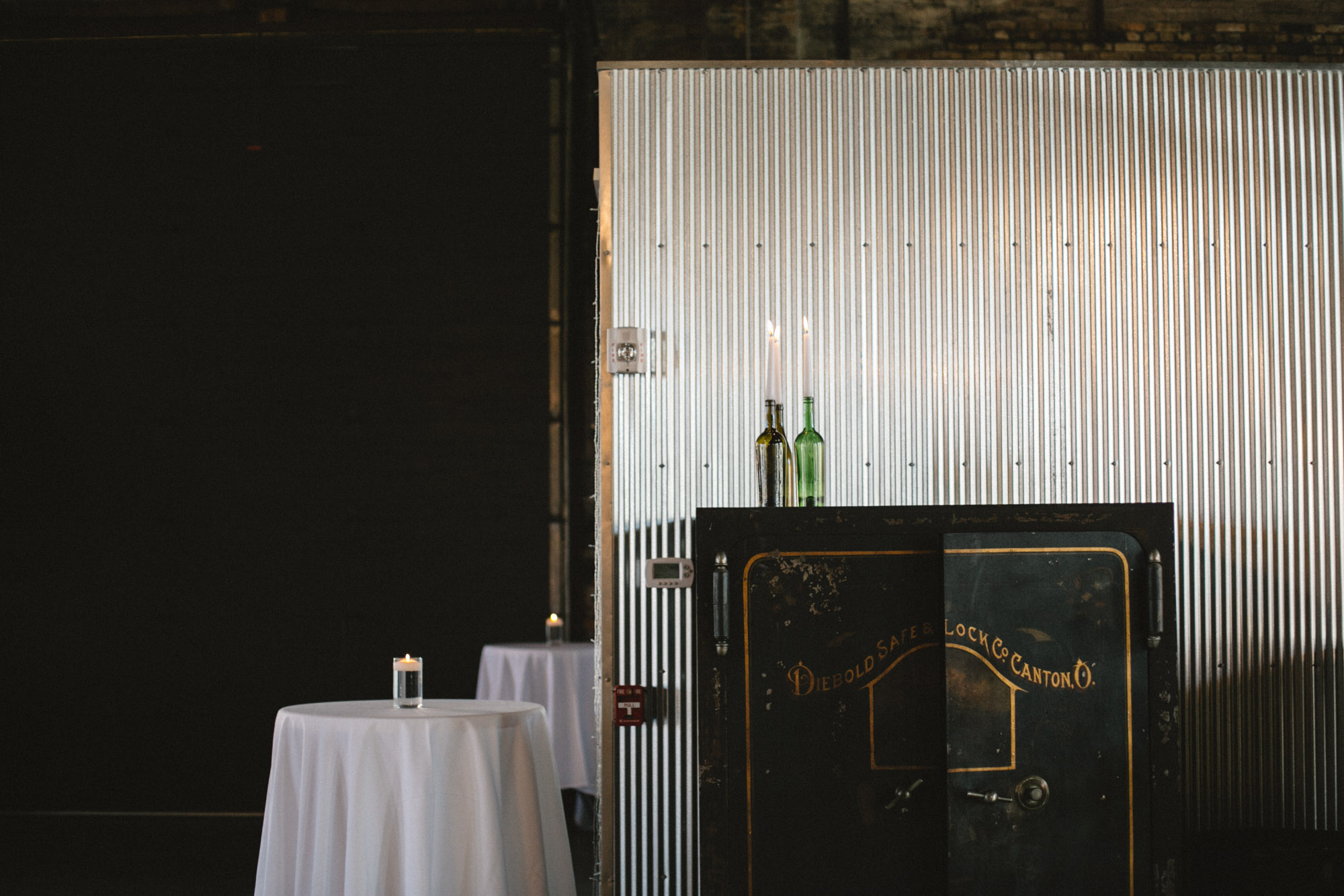Modern, industrial chic warehouse wedding at the NP Event Space, photography by Britt DeZeeuw