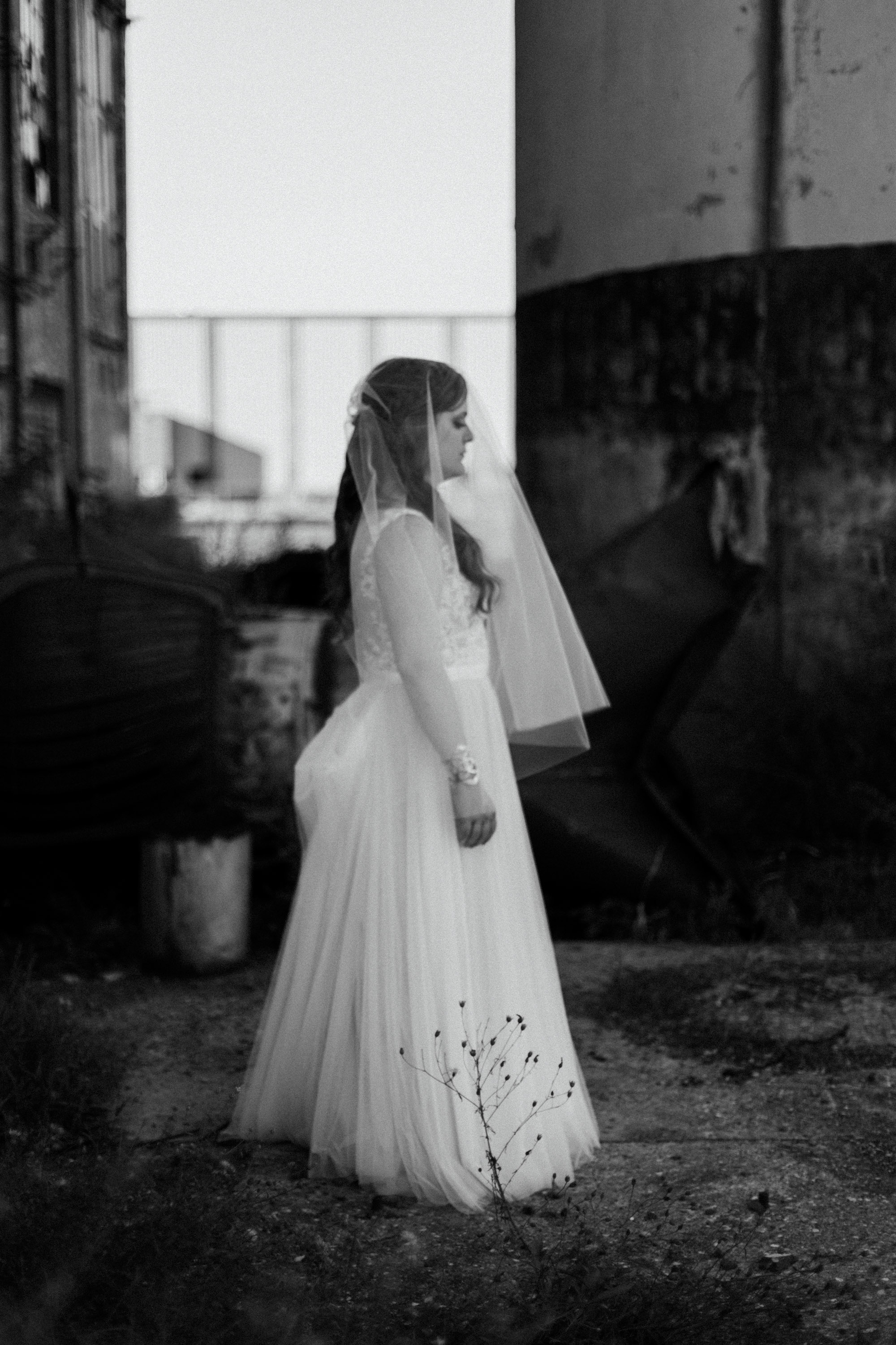 Unconventional bridal portrait. Wedding photography by Britt DeZeeuw at the NP Event Space.