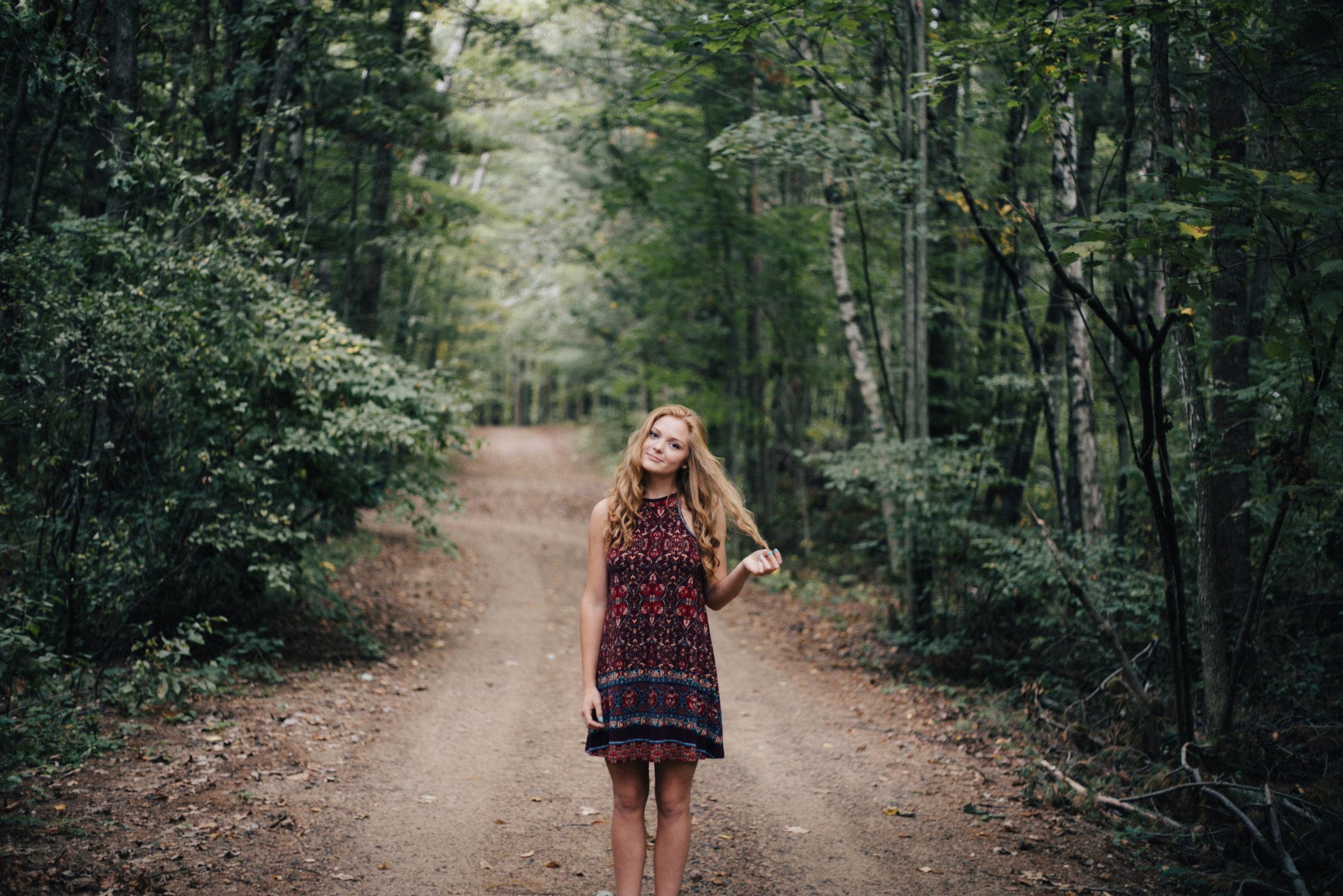 Brainerd Minnesota grad session in the woods by high school senior photographer Britt DeZeeuw