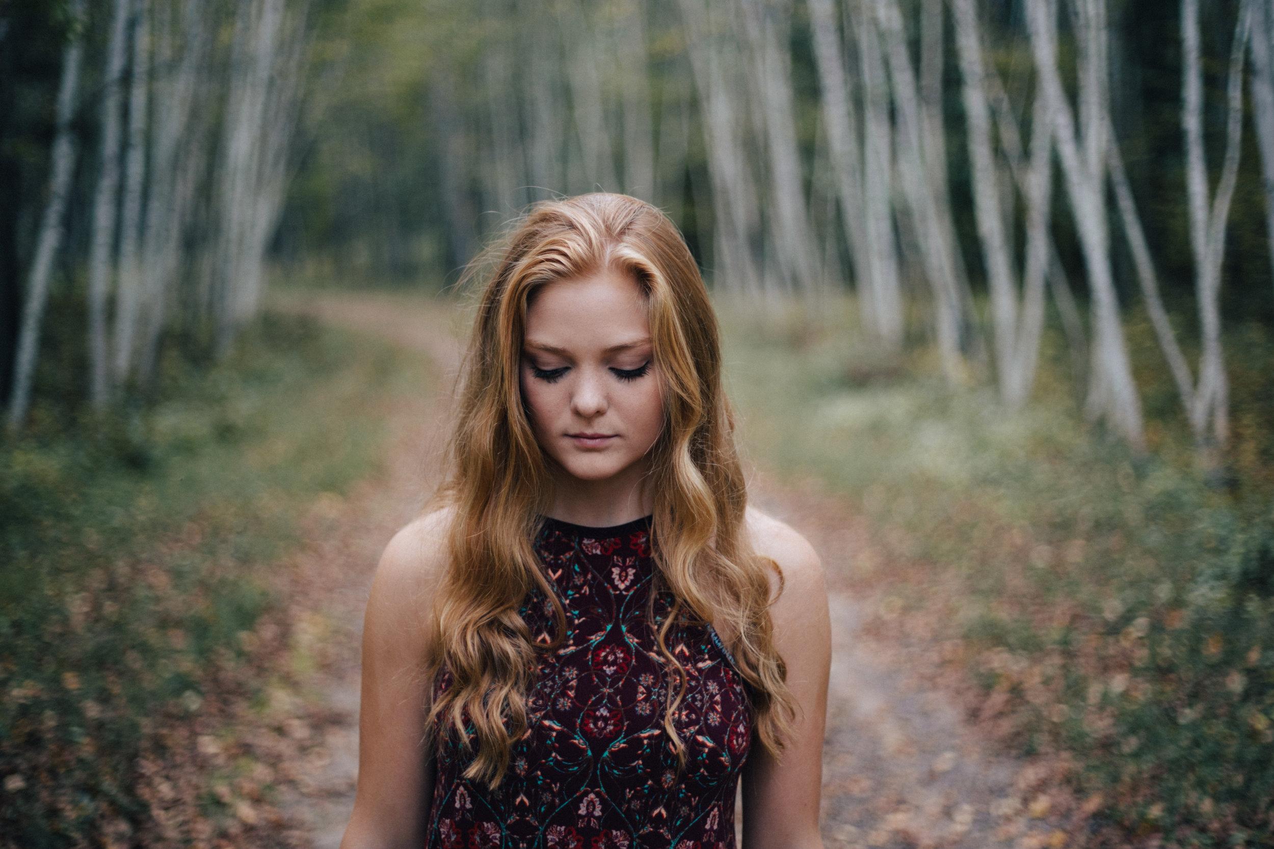 Modern high school senior portrait photography by Britt DeZeeuw, Brainerd Minnesota photographer