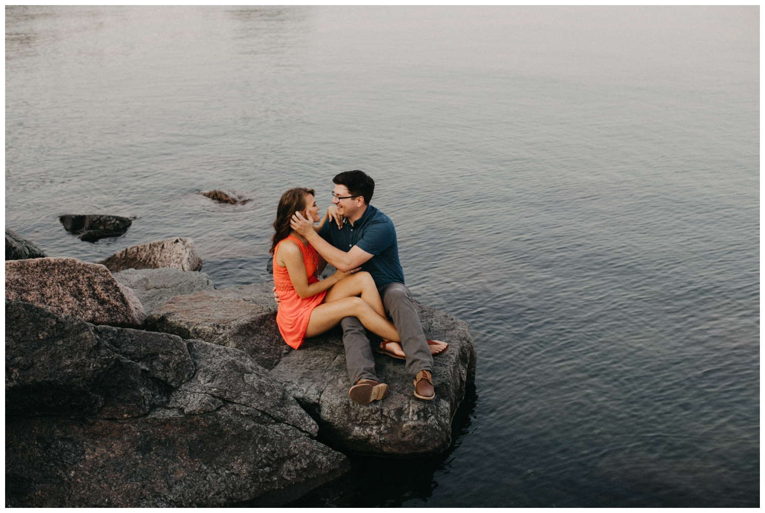 Duluth Minnesota engagement session on the north shore photographed by Britt DeZeeuw