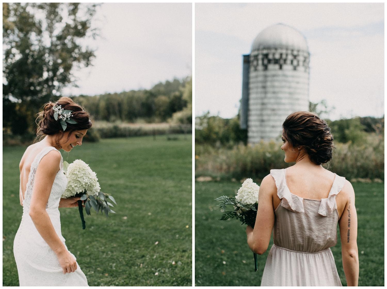 Romantic barn wedding in Brainerd Minnesota photographed by Britt DeZeeuw