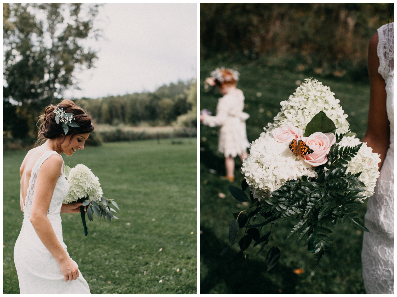 Minnesota barn wedding photographed by Britt DeZeeuw