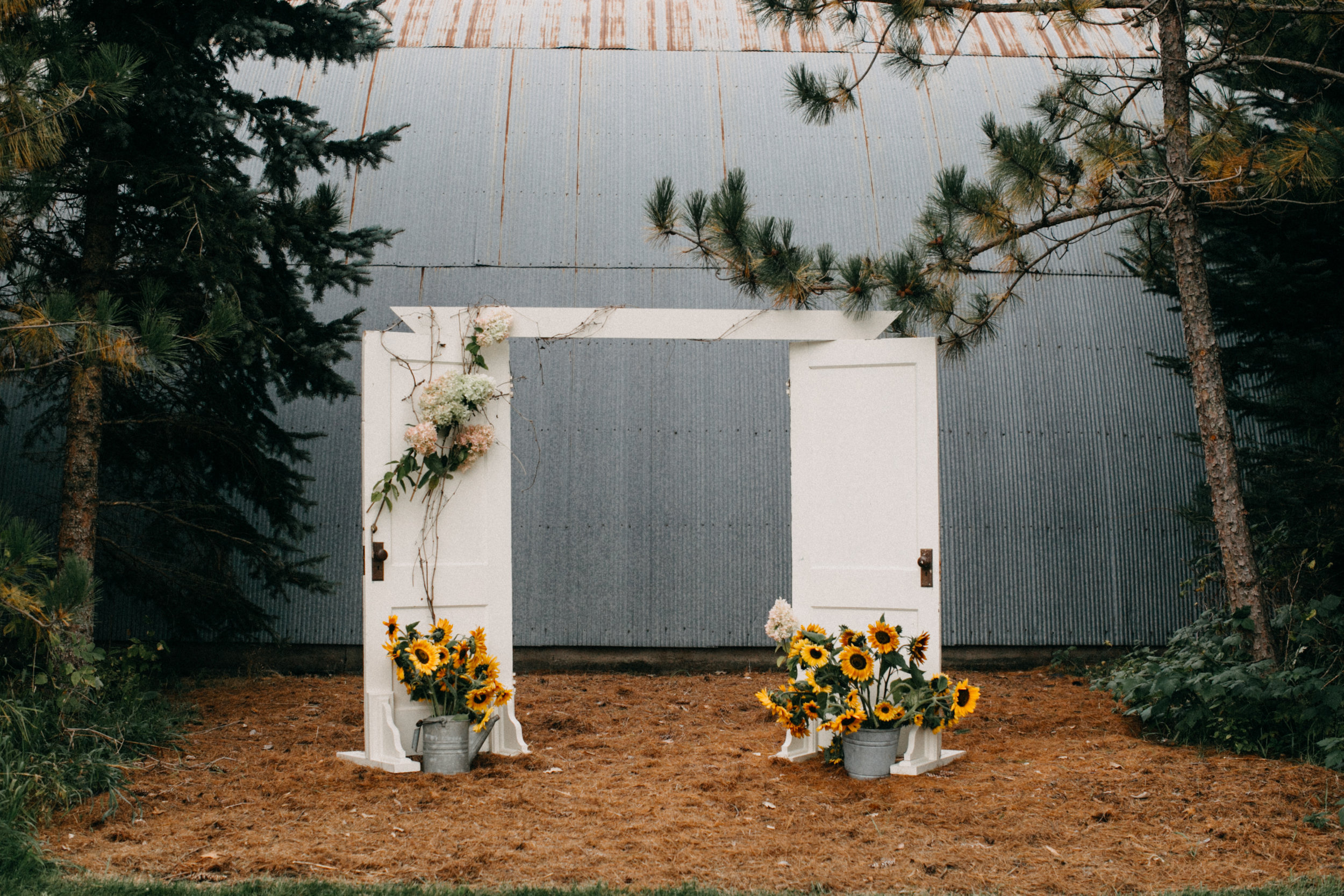 Brainerd MN farm outdoor wedding ceremony