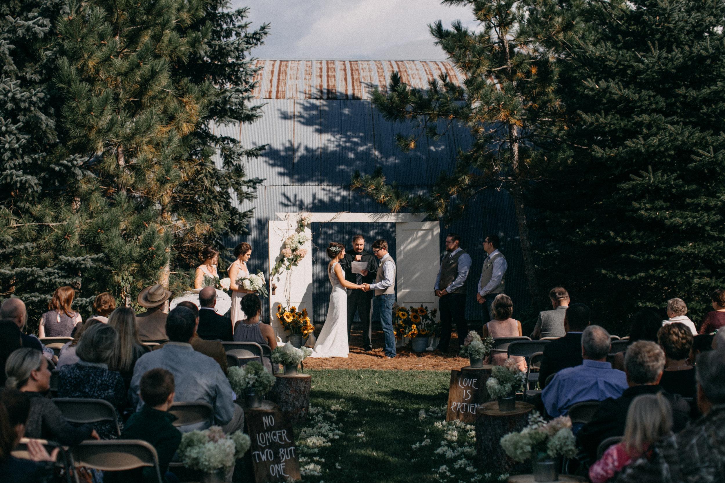 minnesota-barn-wedding_49.jpg