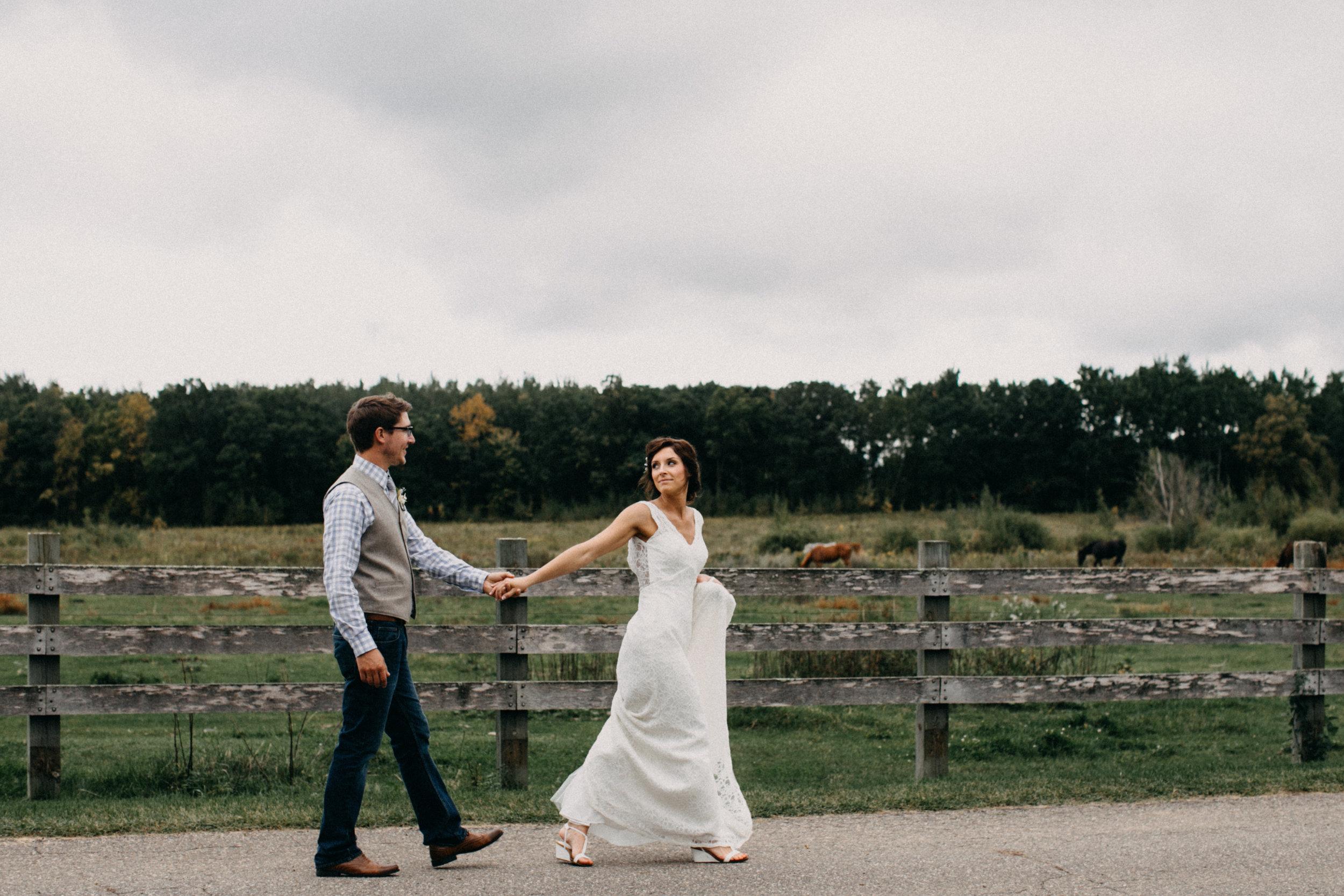 Rustic chic family farm wedding in Brainerd MN