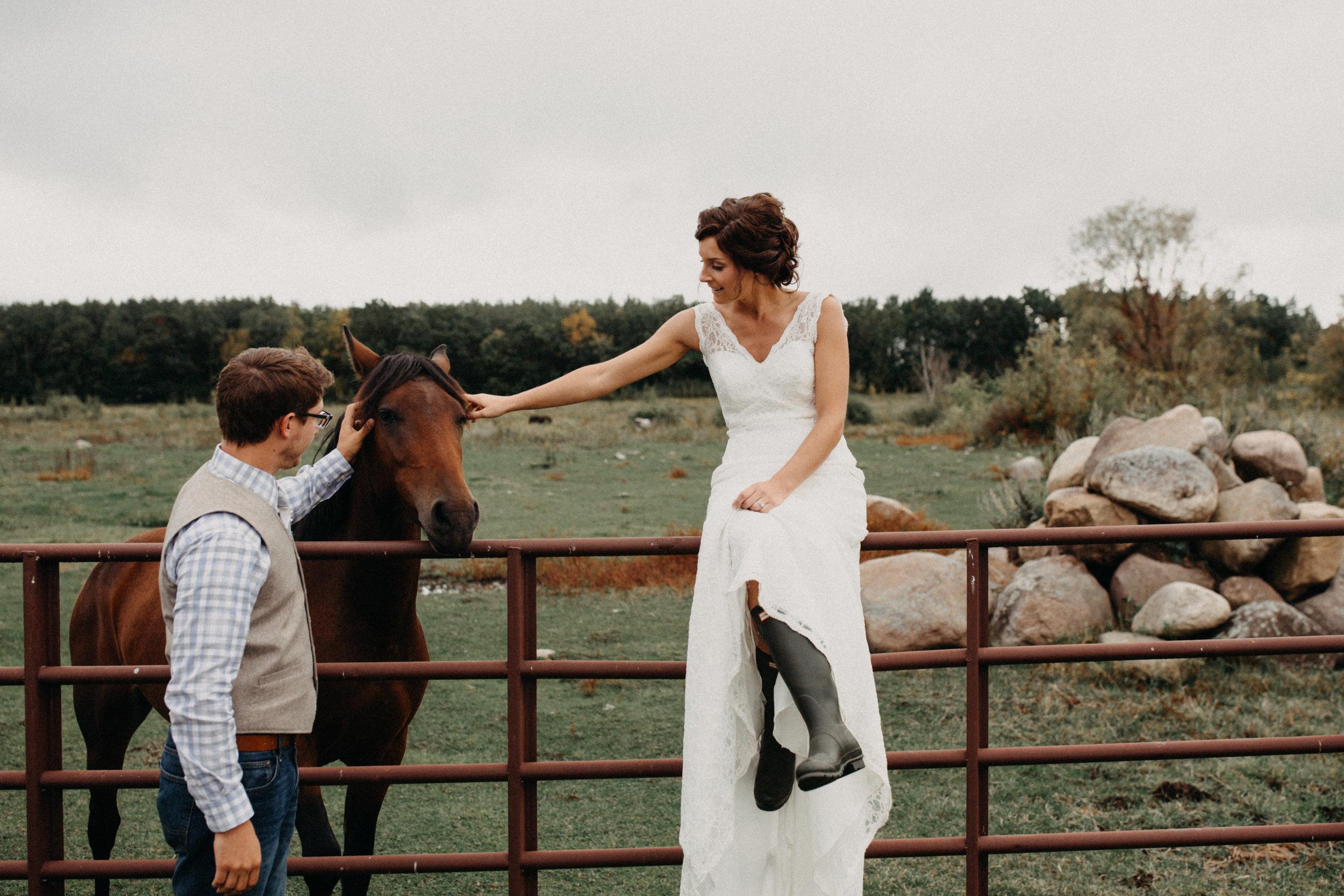 Outdoor farm wedding in Brainerd Minnesota