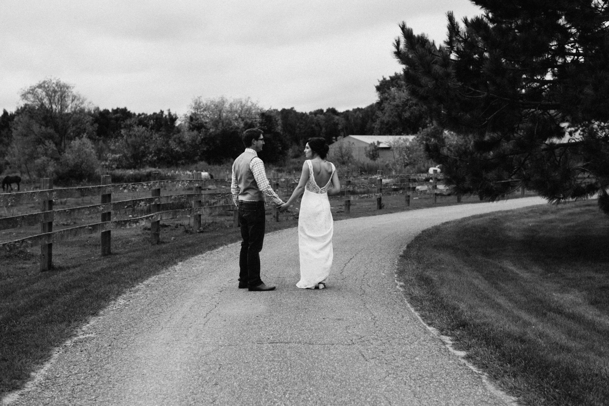 Barn wedding in Minnesota