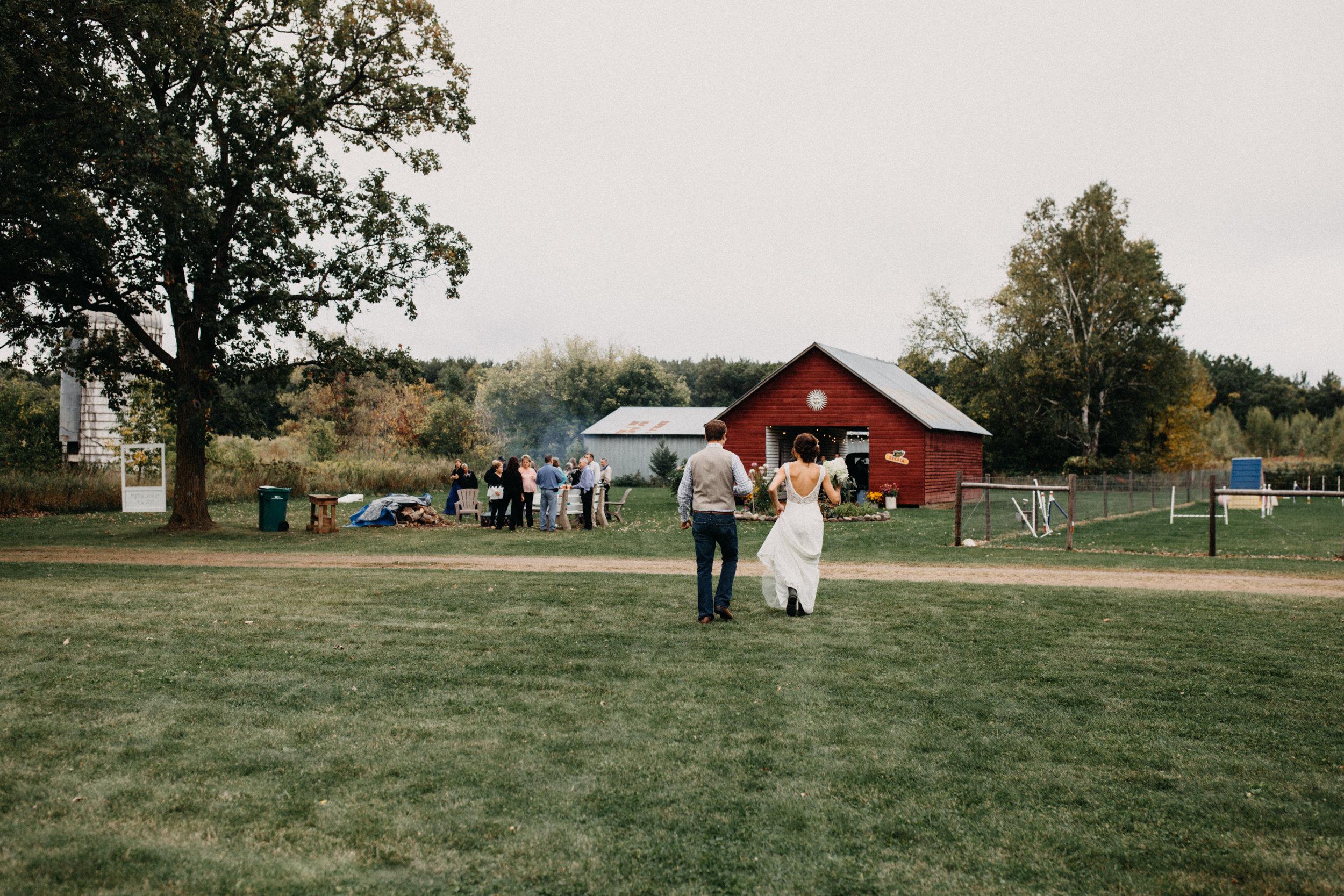 minnesota-barn-wedding_74.jpg