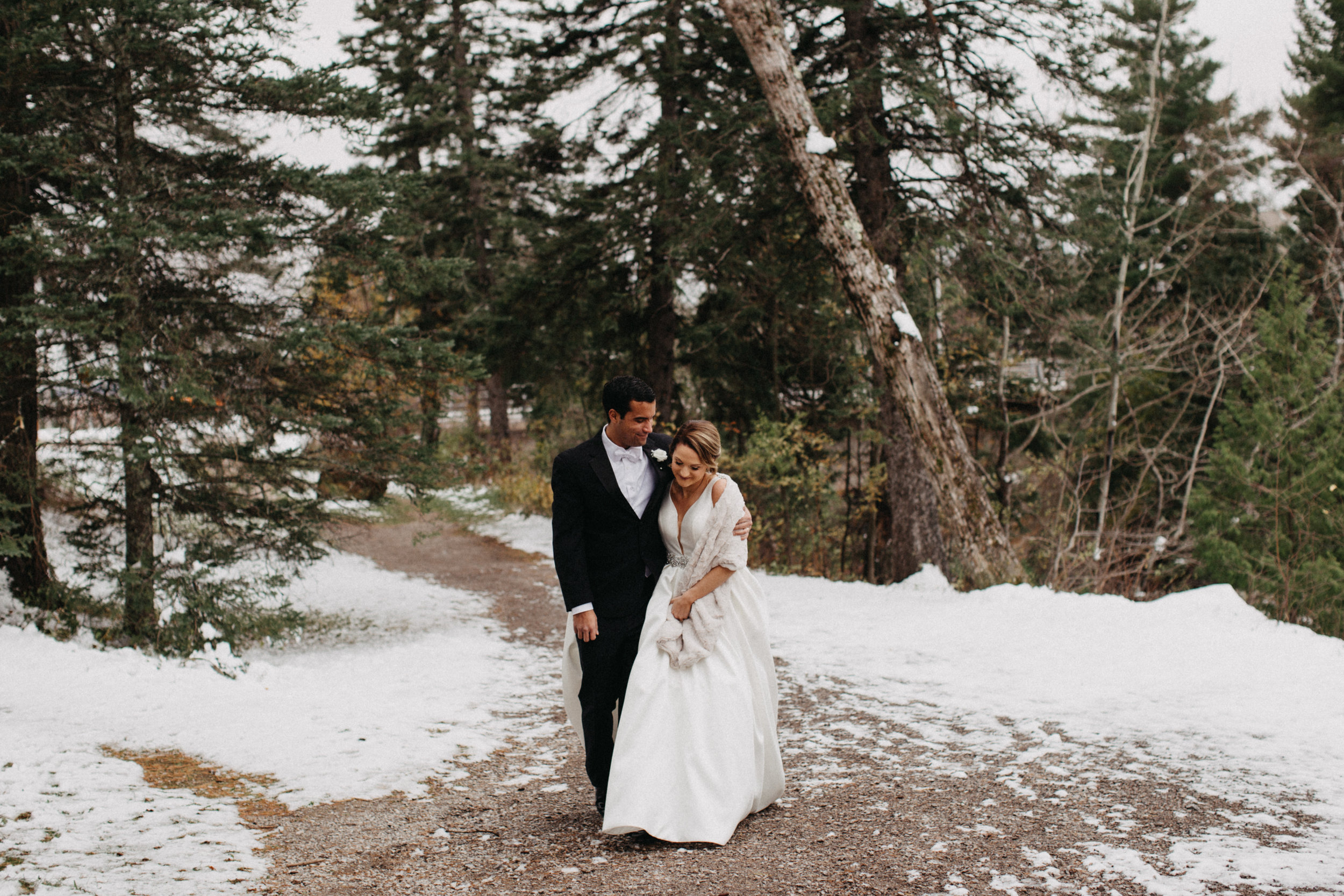 Romantic winter wedding in Duluth, MN