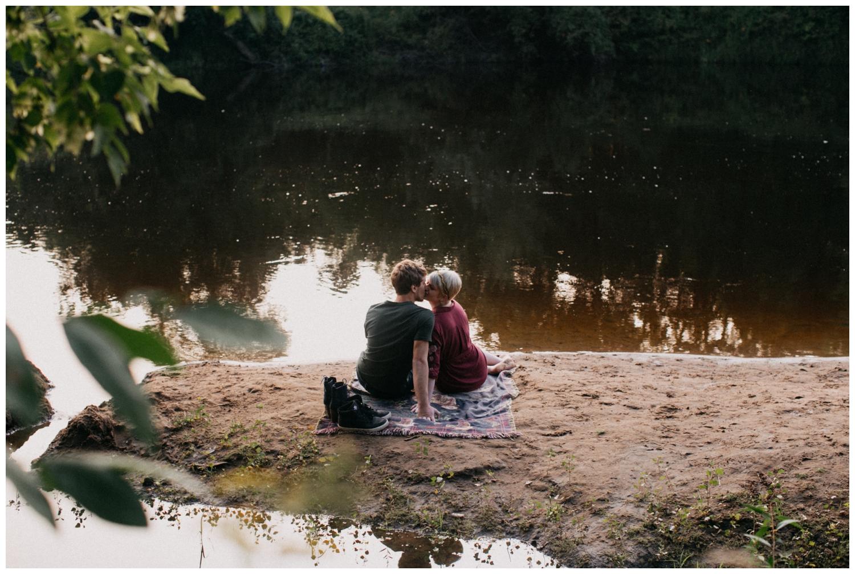 minnesota-summer-engagement_35.jpg