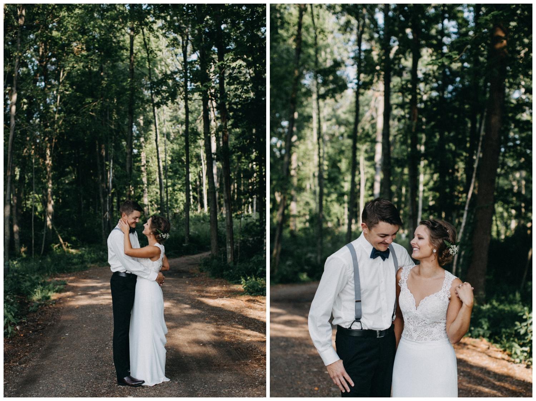 Casual cabin wedding in Brainerd Minnesota
