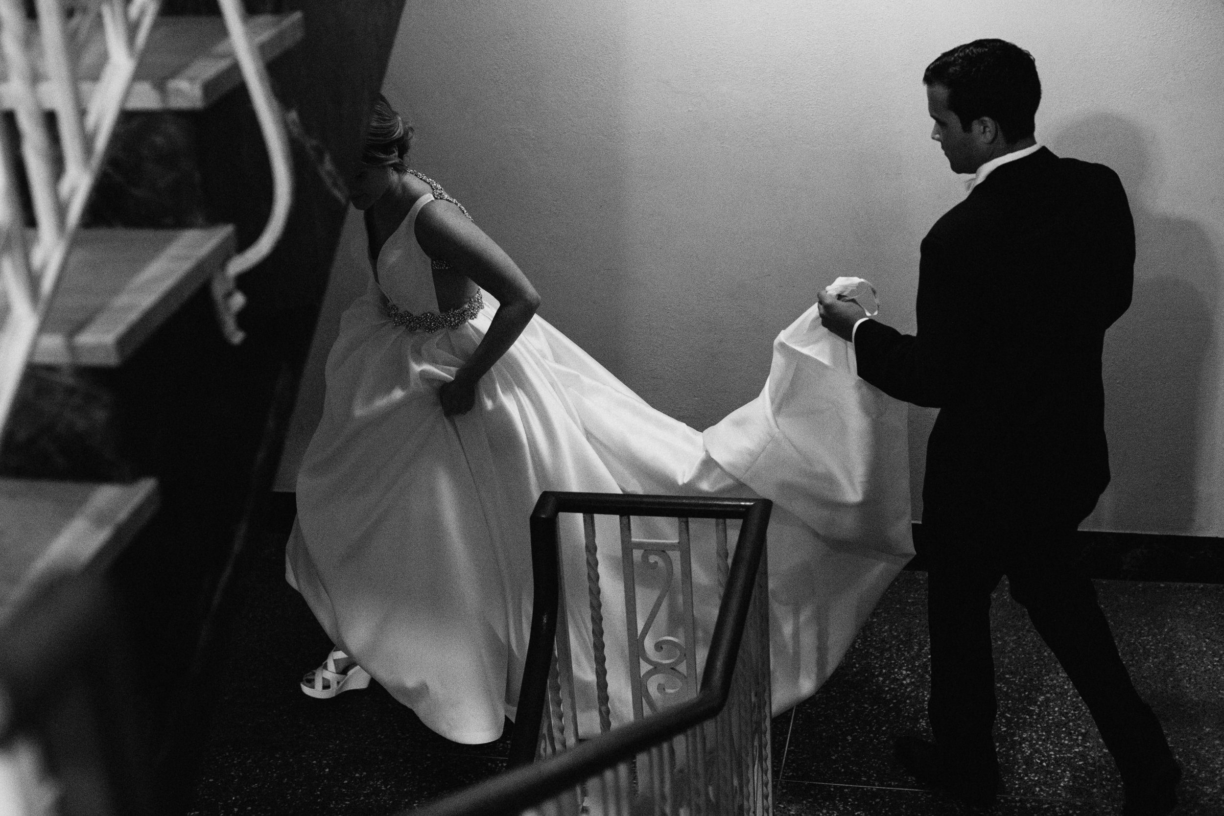 Black and white photo of bride and groom at Greysolon wedding in Duluth Minnesota