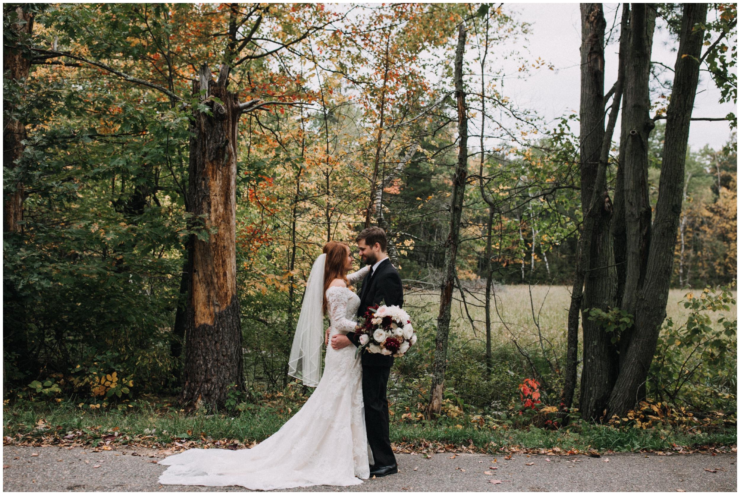 Minnesota fall wedding at the Quarterdeck Resort