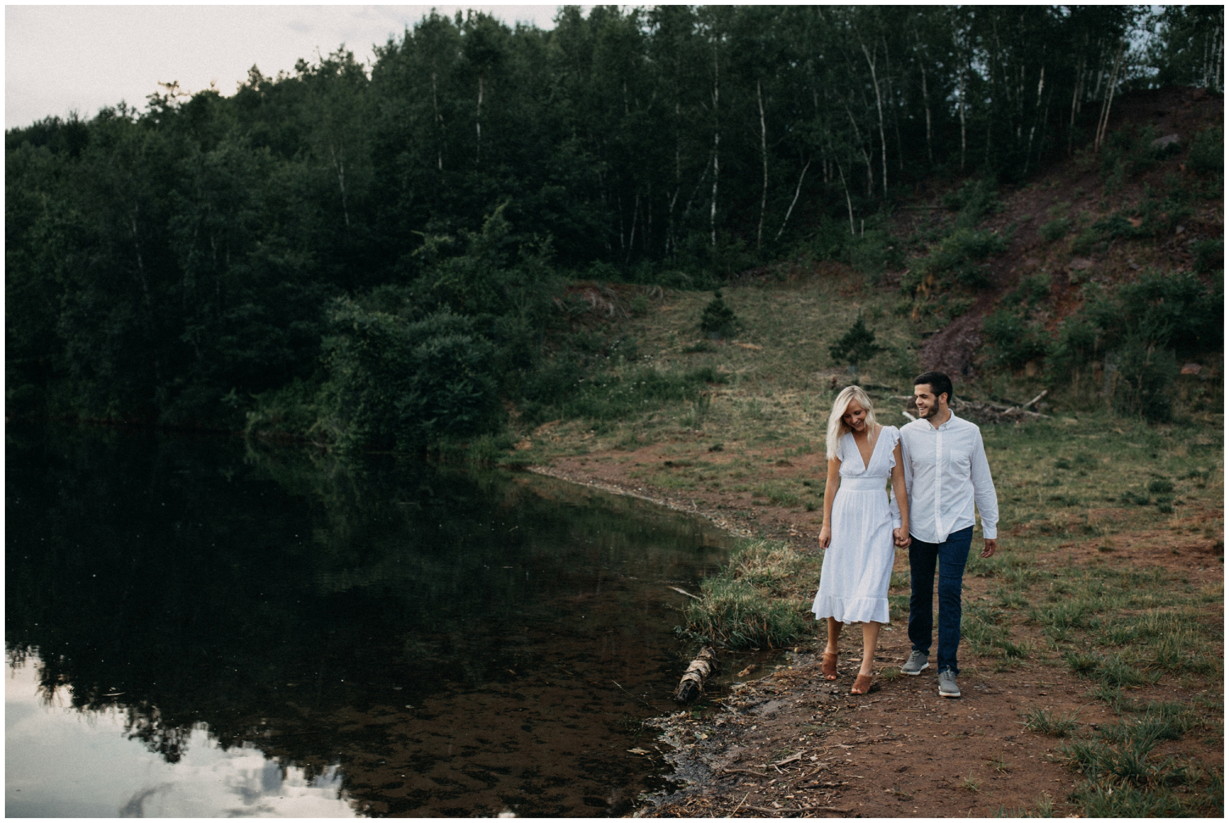 Unposed and natural photography by Brainerd Minnesota wedding and engagement photographer Britt DeZeeuw