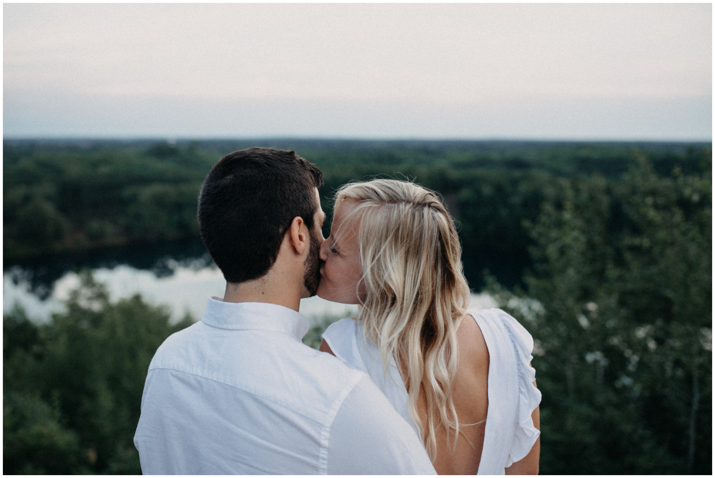 Mountain top engagement session by Britt DeZeeuw