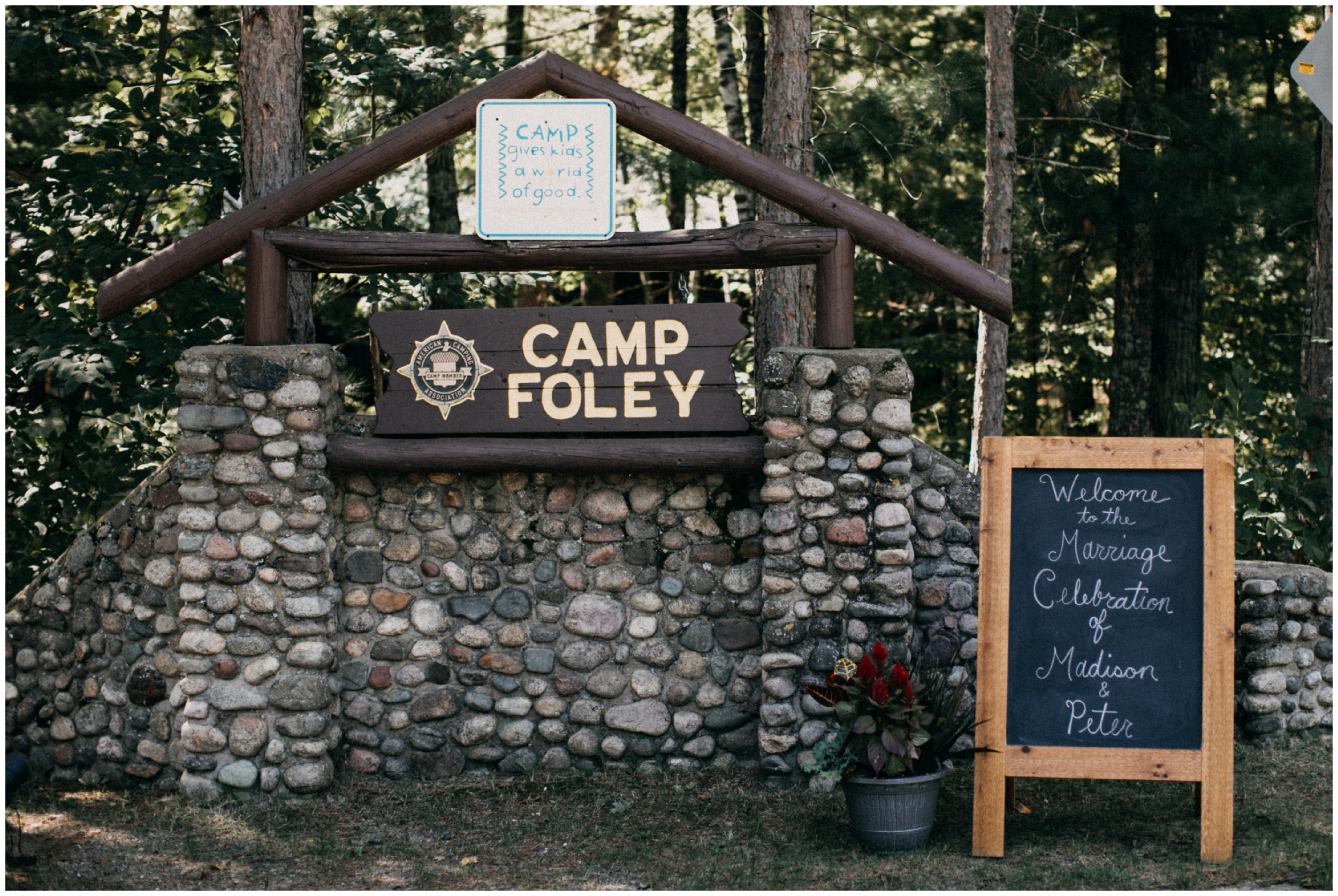 Northern Minnesota rustic chic cabin wedding at Camp Foley