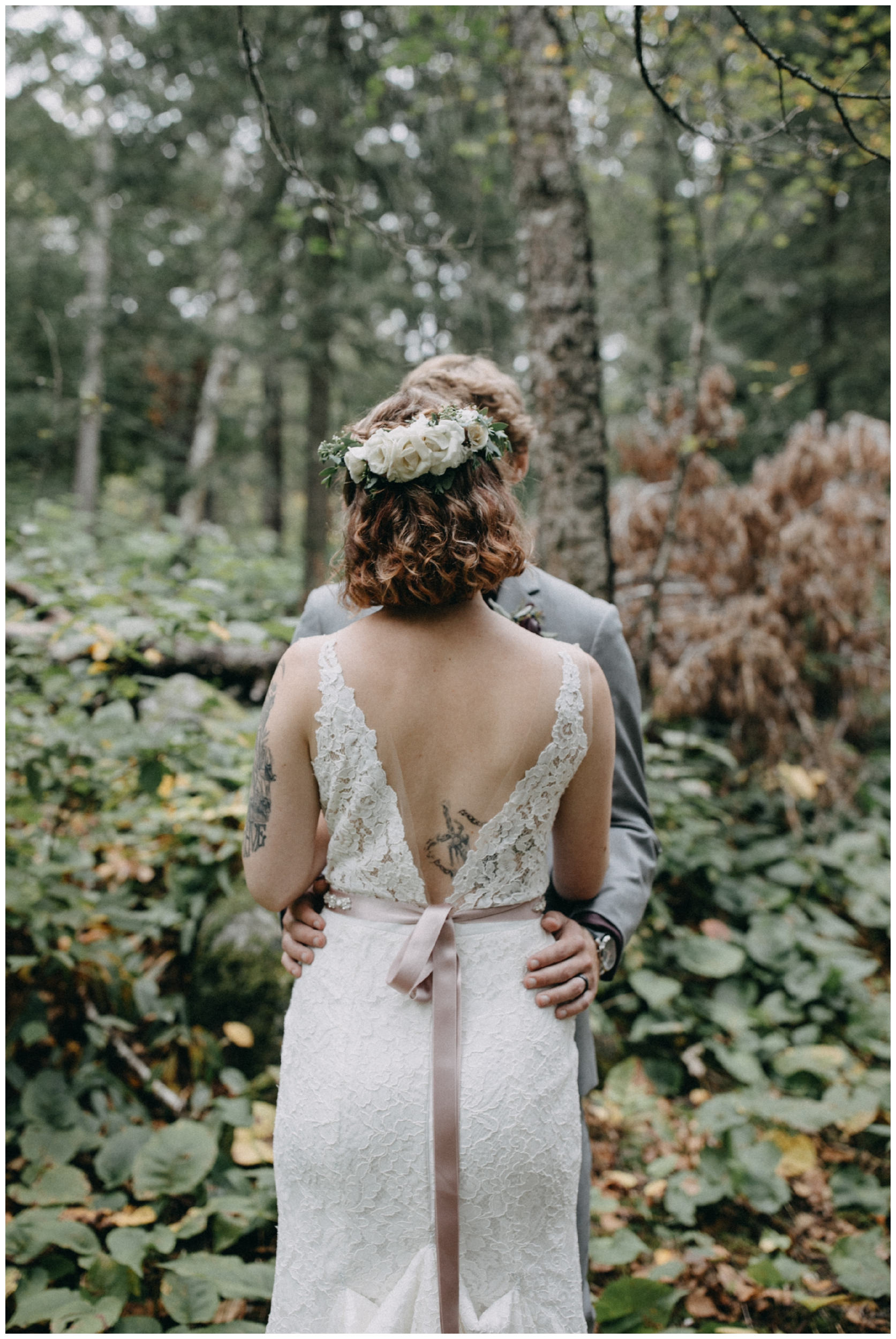 Whimsical forest wedding in Duluth Minnesota