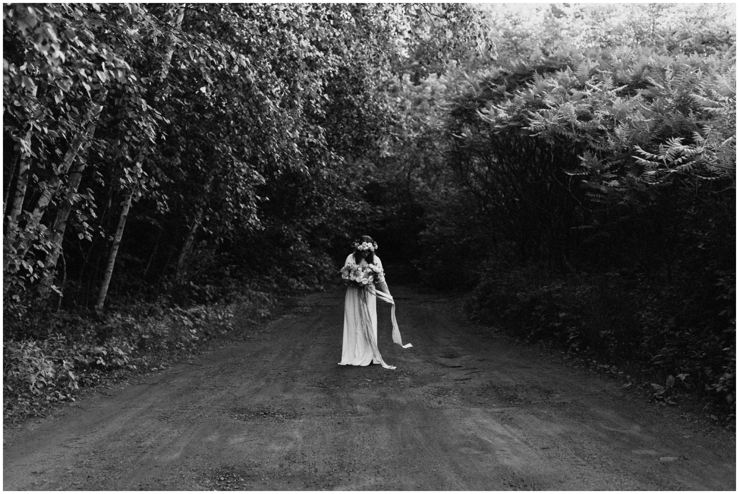 Boho wedding in the woods by Brainerd Minnesota photographer Britt DeZeeuw