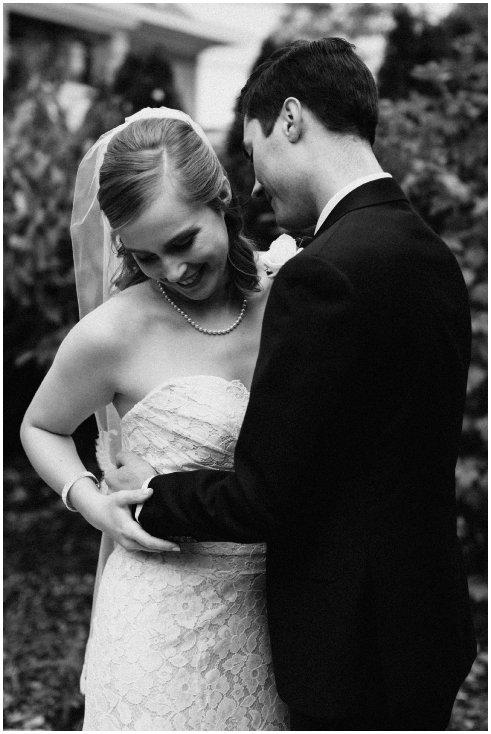 Modern and classy wedding at the St Paul College club photographed by Britt DeZeeuw