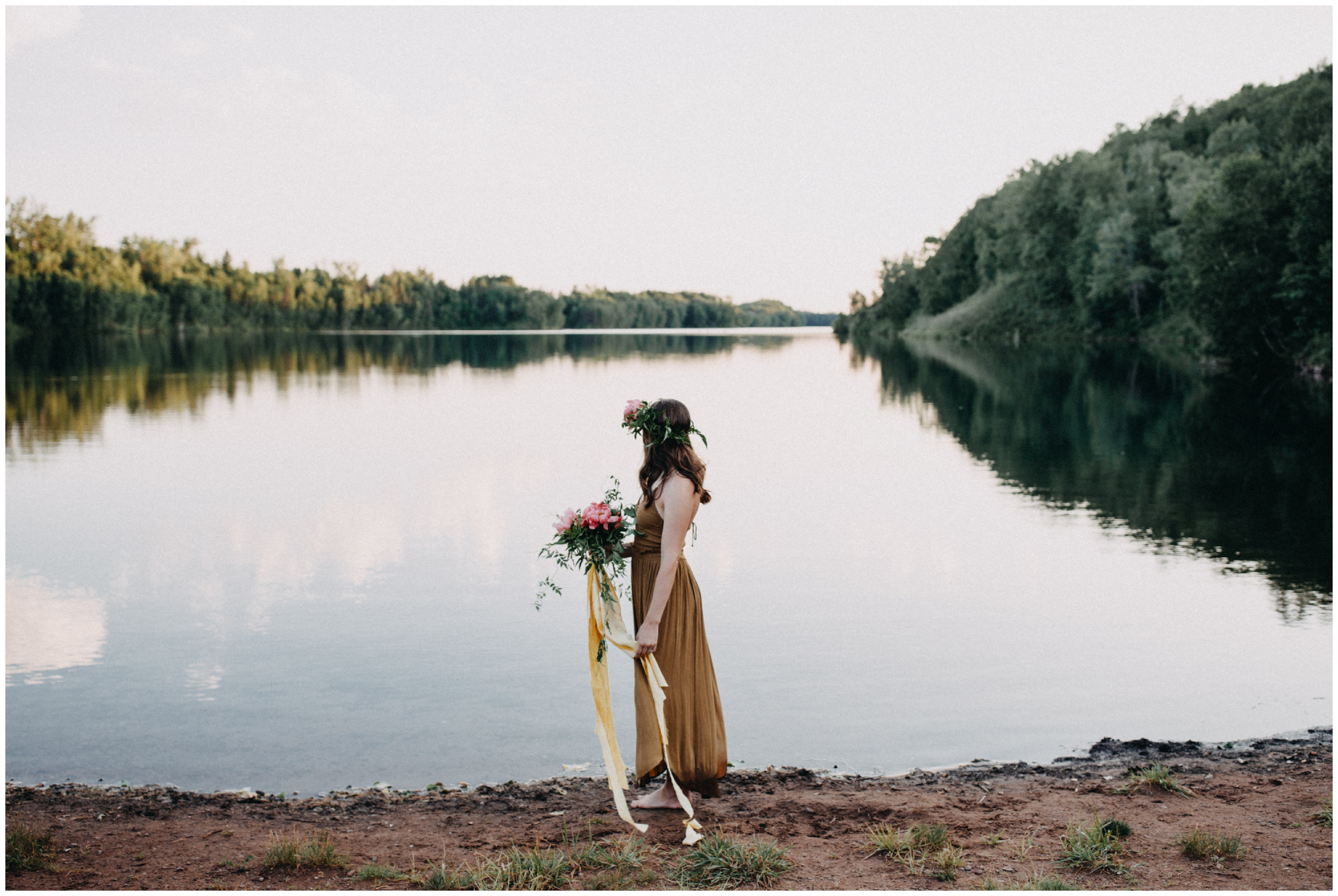 Organic boho inspired portrait session at the lake by Brainerd photographer Britt DeZeeuw