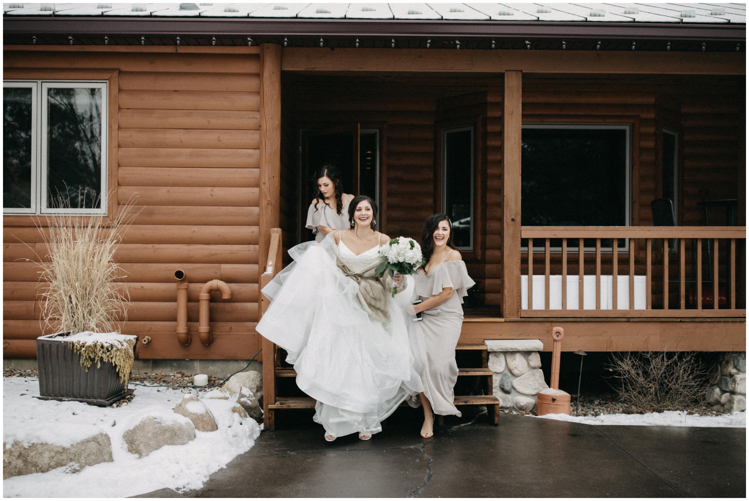 Winter wedding at Pine Peaks in Crosslake MN