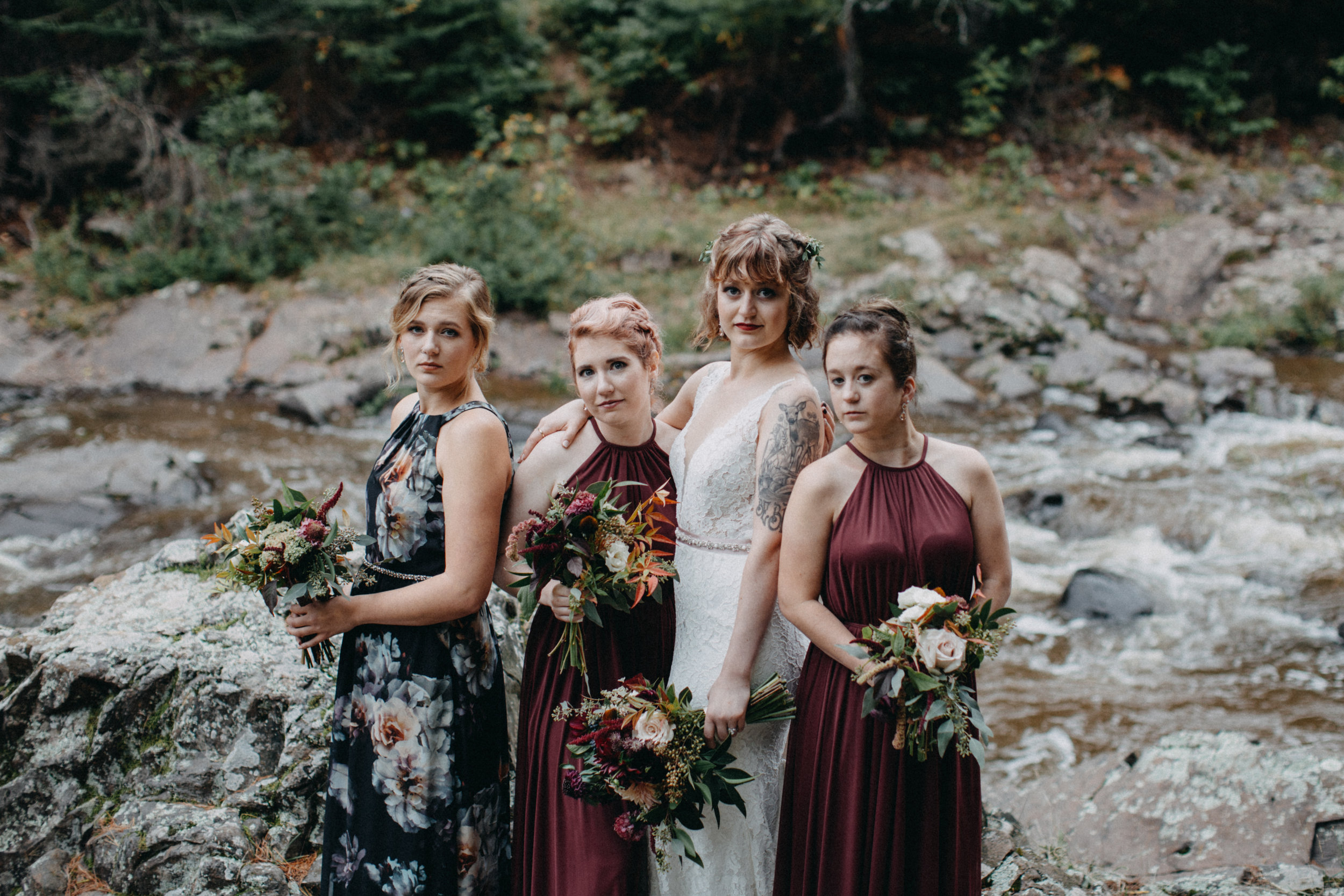 Intimate Duluth Minnesota wedding in the woods