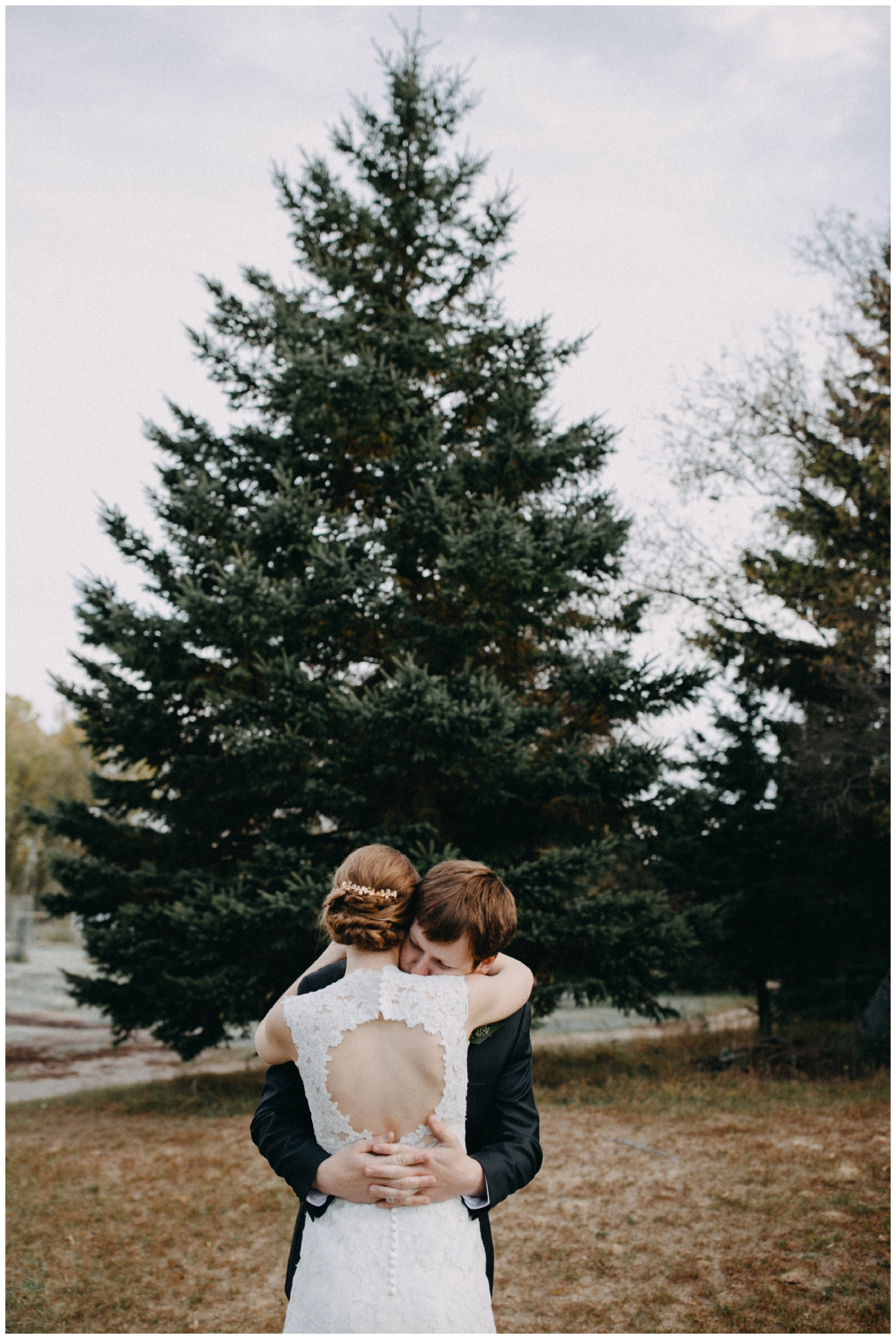Cozy up north October wedding in Brainerd Minnesota