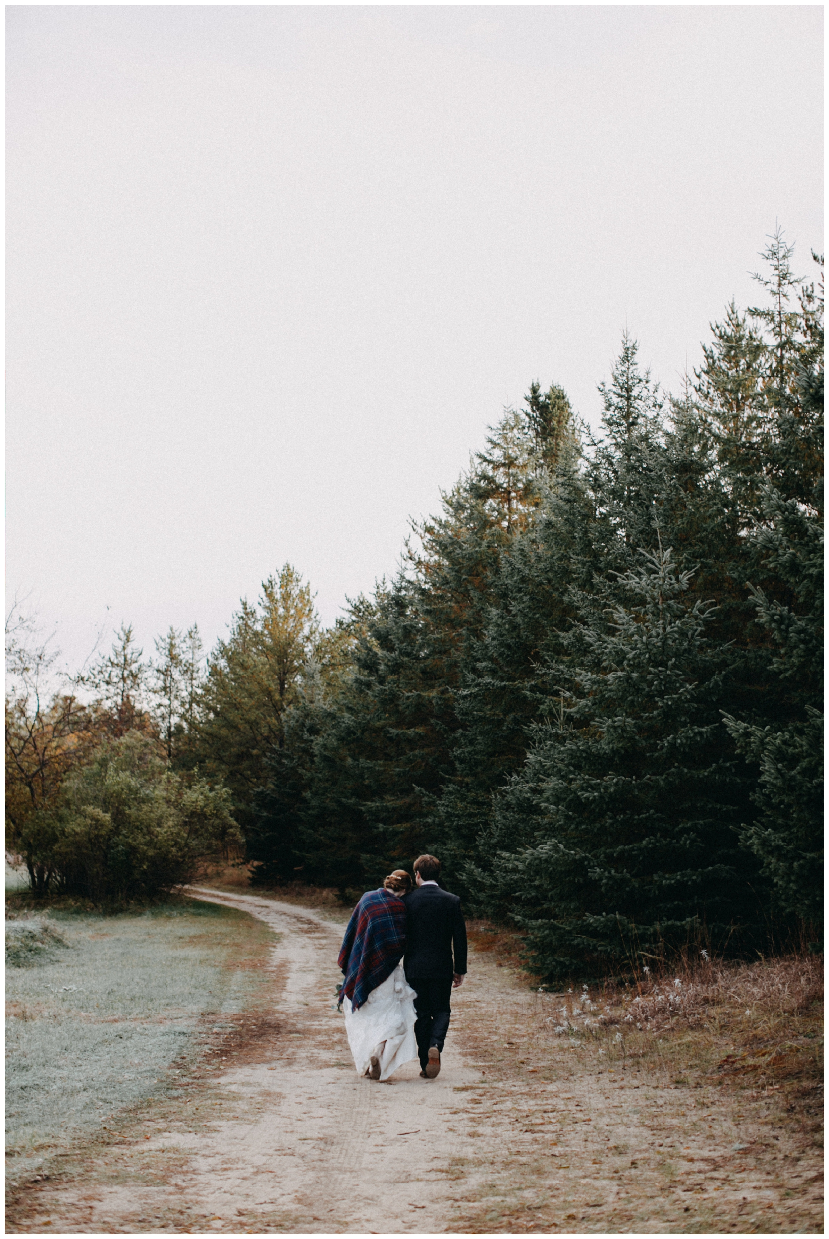 Cozy fall wedding in at the Northland Arboretum in Brainerd Minnesota