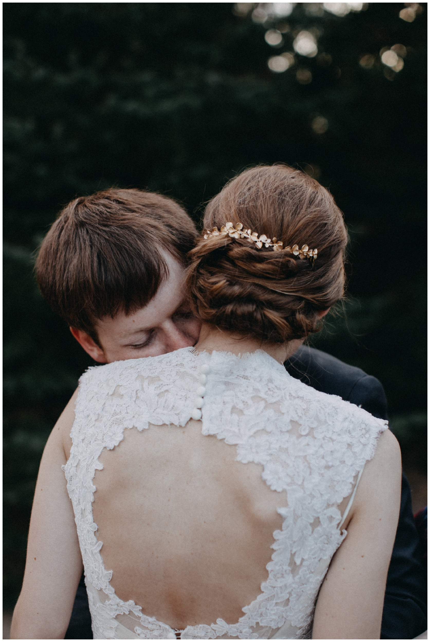 Emotional wedding at the Northland Arboretum