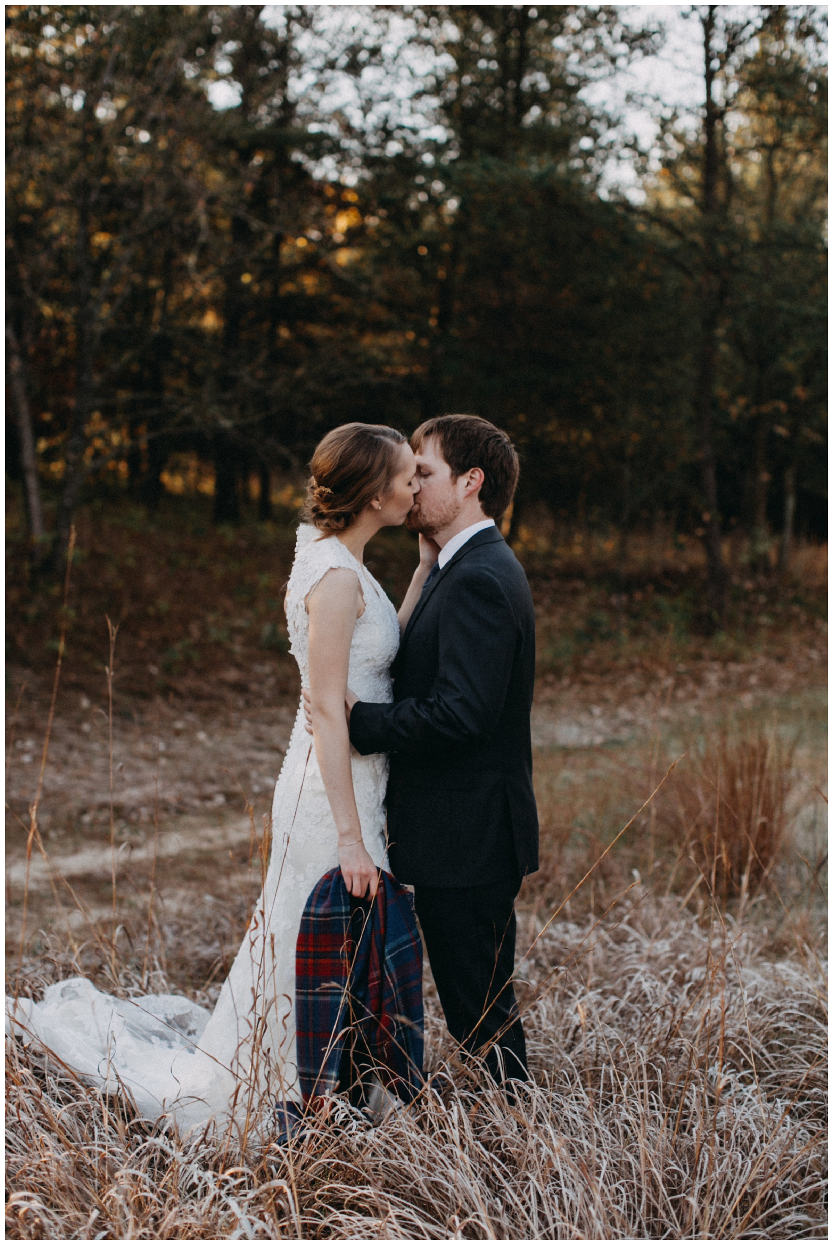 Simple and timeless October wedding at the Northland Arboretum