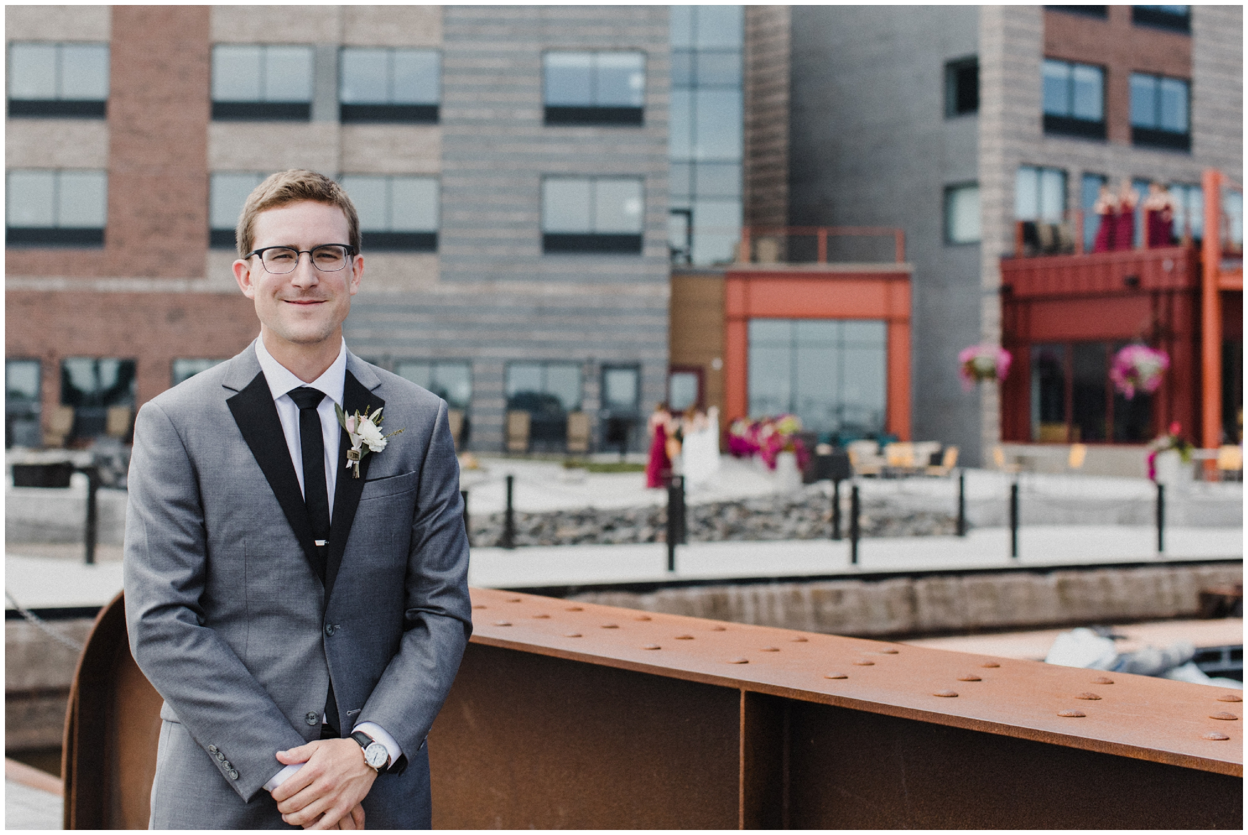 Groom at Pier B resort in Duluth MN