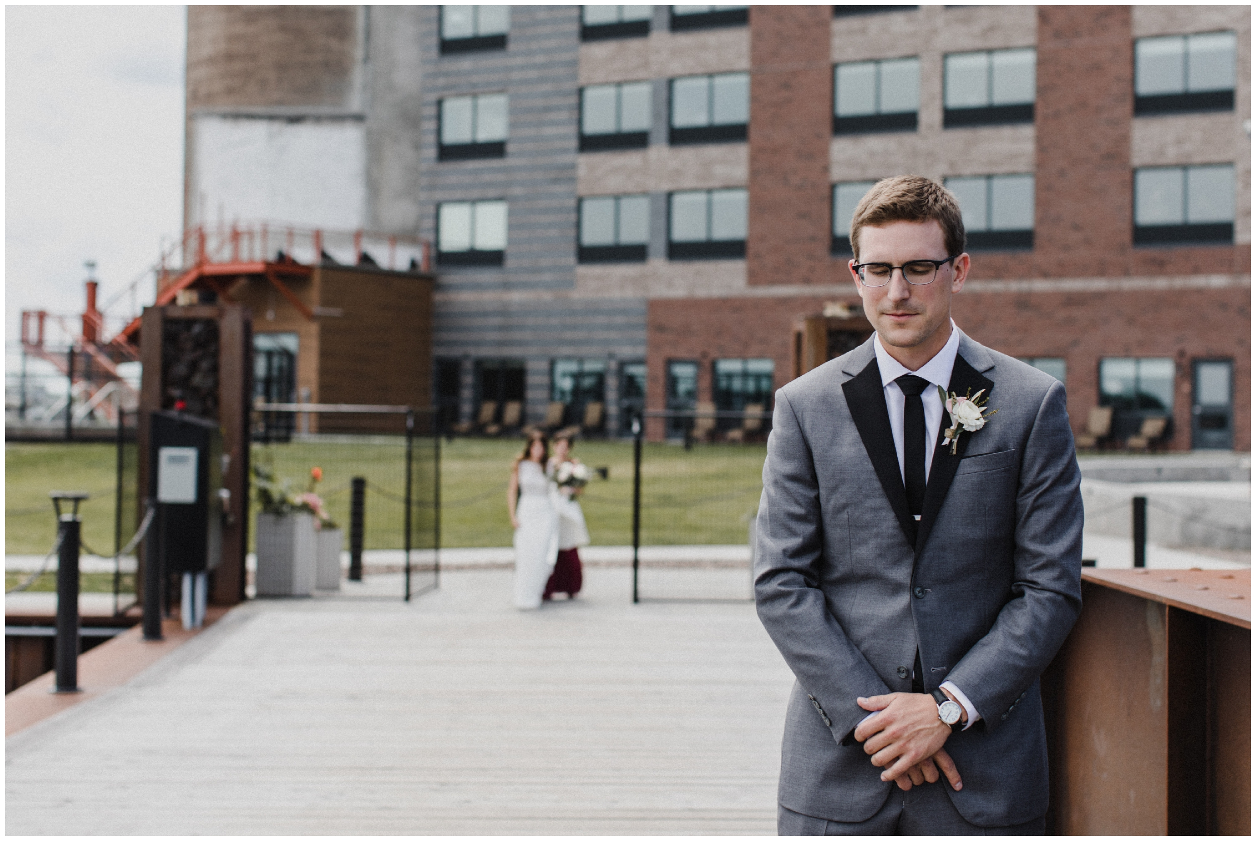 Bride and groom first look at Pier B resort in Duluth Minnesota