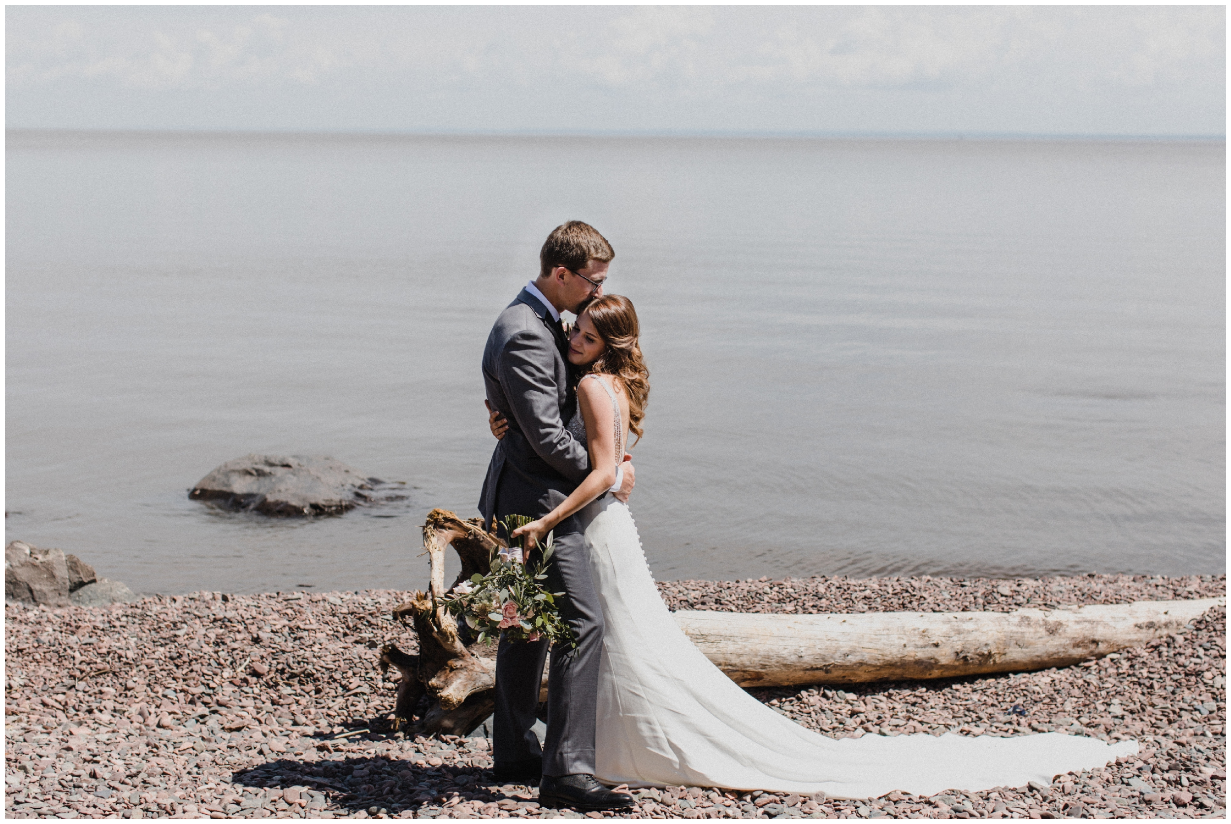 Duluth Minnesota lakeside wedding
