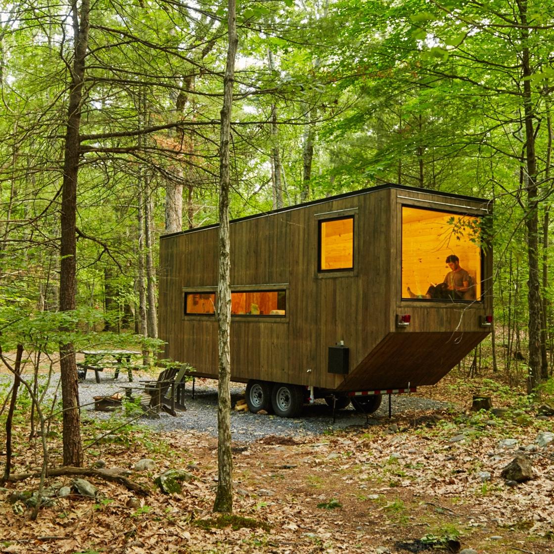 getaway-cabin-maisie-photo-roderick-aichinger_dezeen_1568_5.jpg