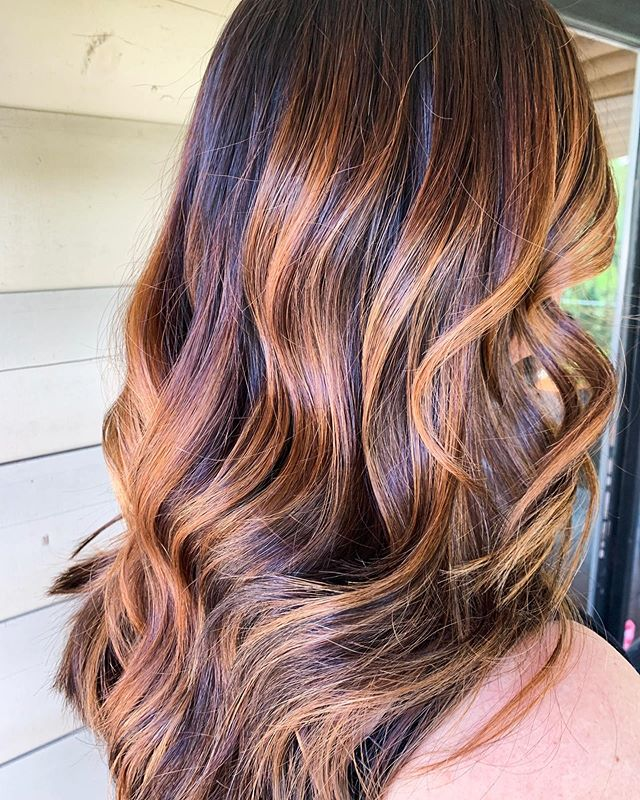 Fall is in the air🍂 Book today for gorgeous color! Stylist Danielle Kates did this beautiful color!