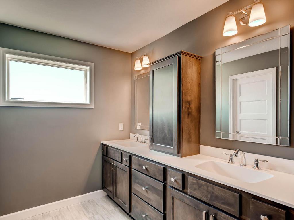 20071 Heath Ave Lakeville MN-MLS_Size-015-14-2nd Floor Master Bathroom-1024x768-72dpi.jpg