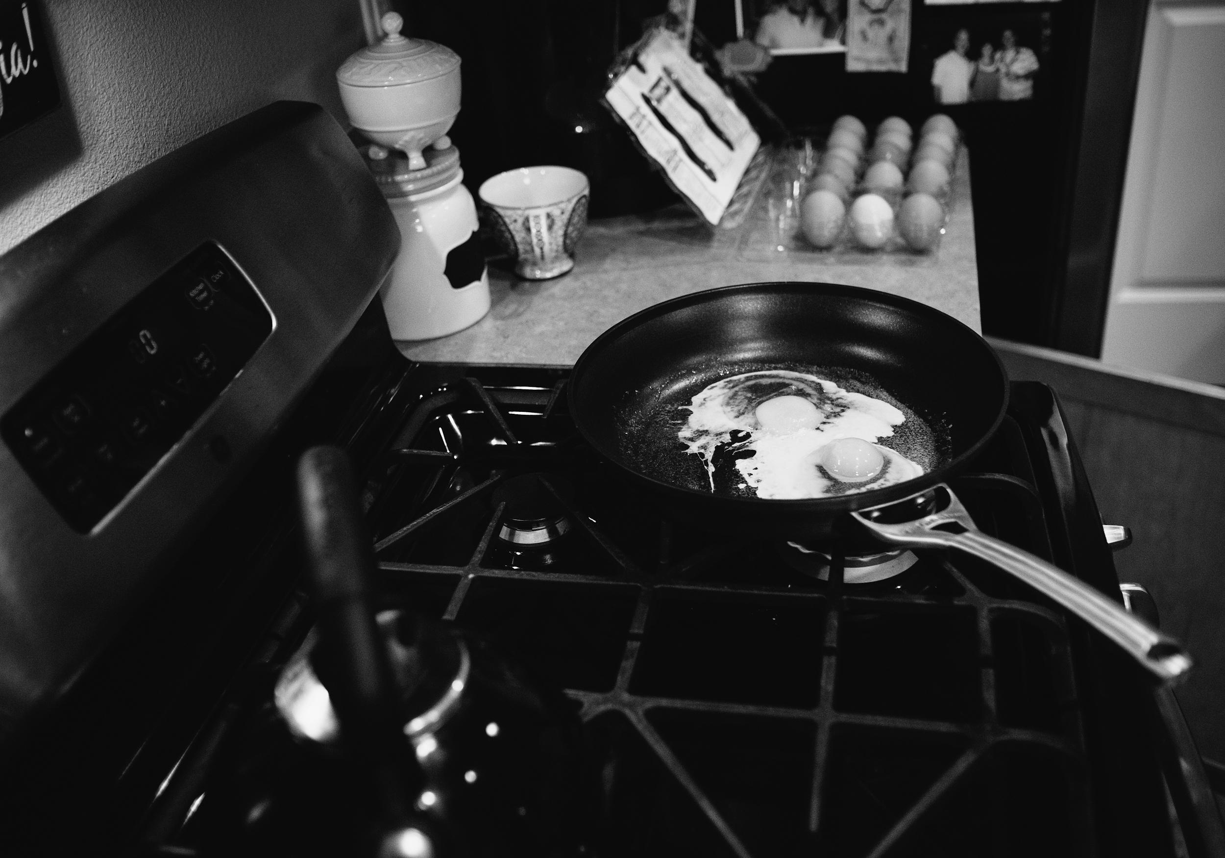 family_breakfast_05.jpg
